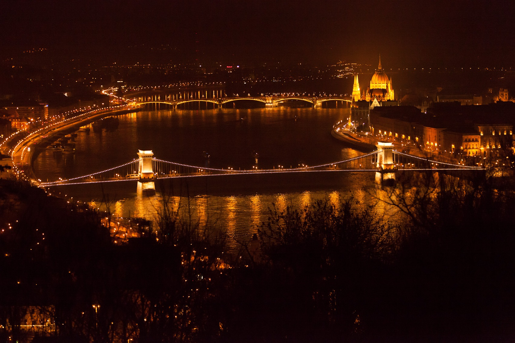 Chain Bridge Budapest by Wolfgang Frenz