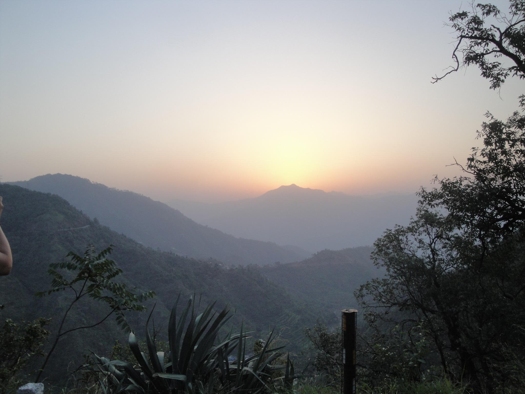 Sunrise on the Himalayan by prashh14