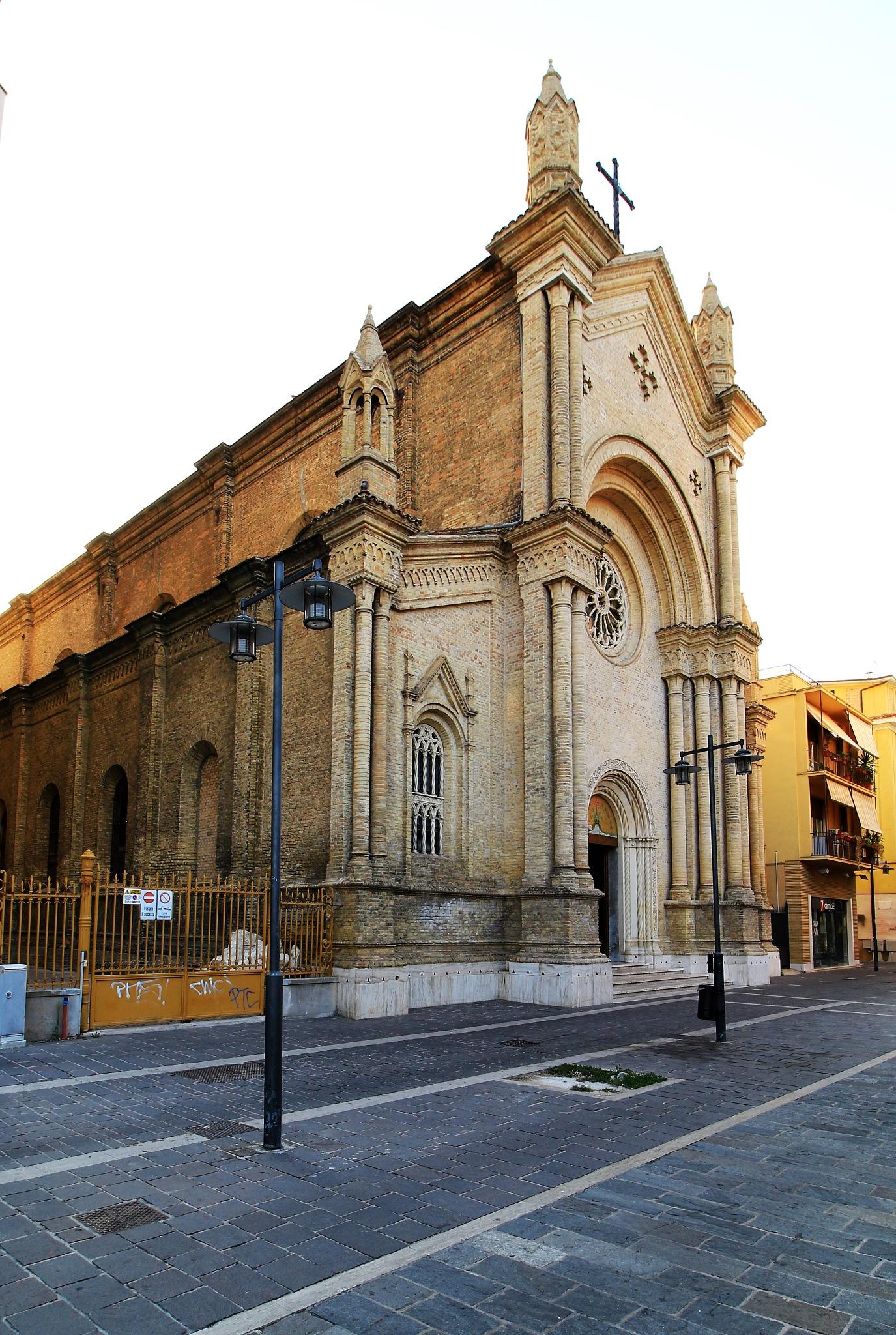PESCARA chiesa del sacro cuore by mauronepa
