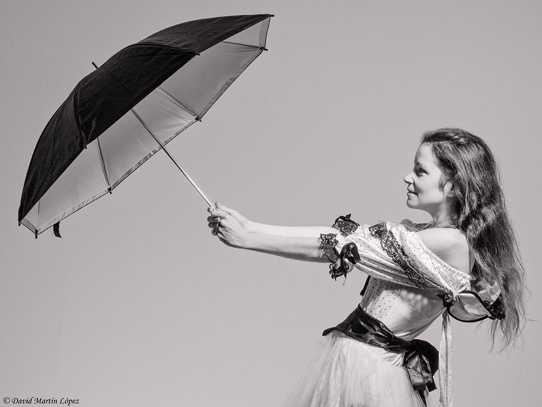 The lady of the umbrella by davidmartinlopez