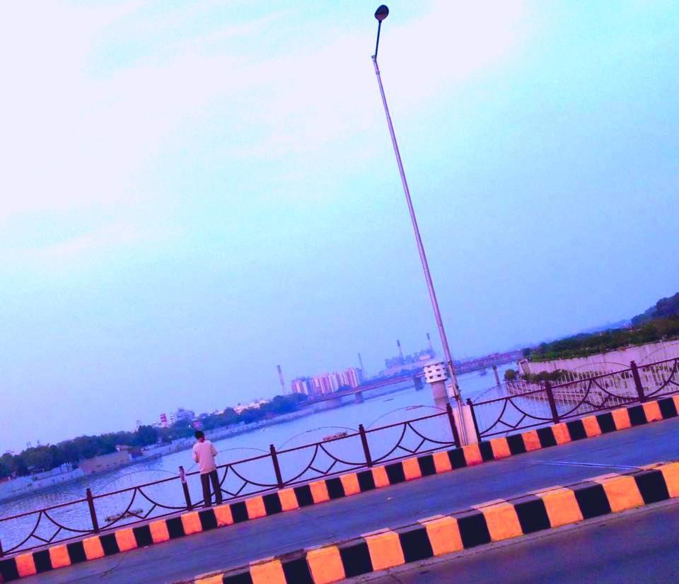 Ahmadabad City At Sabarmati River  by Bharat75