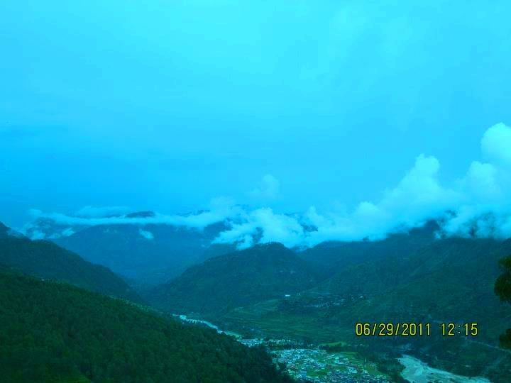 Beautiful Himalaya Valley by Bharat75