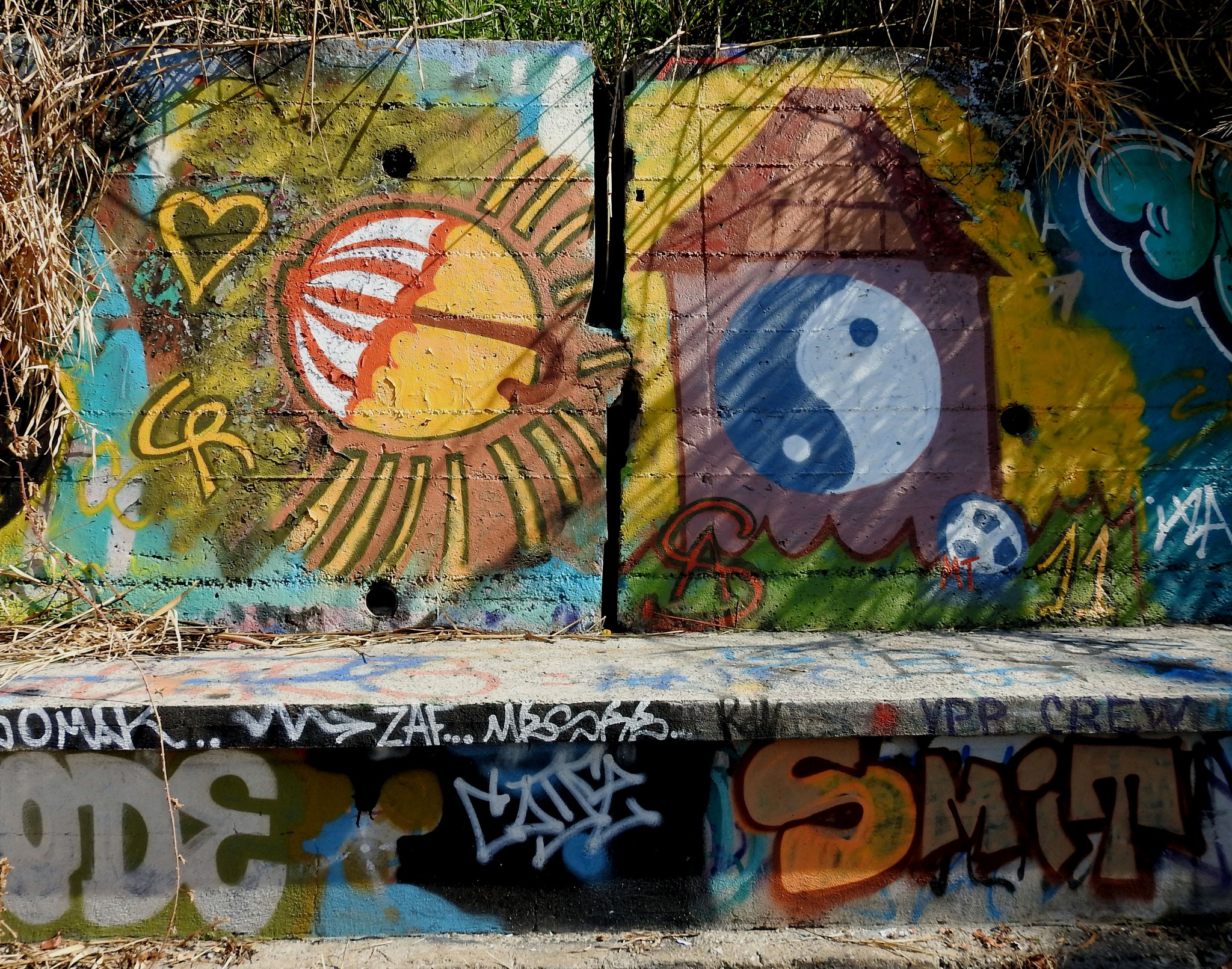 Naples Bagnoli - Street Art - Yin And Yang! by Delirium Tremends 62