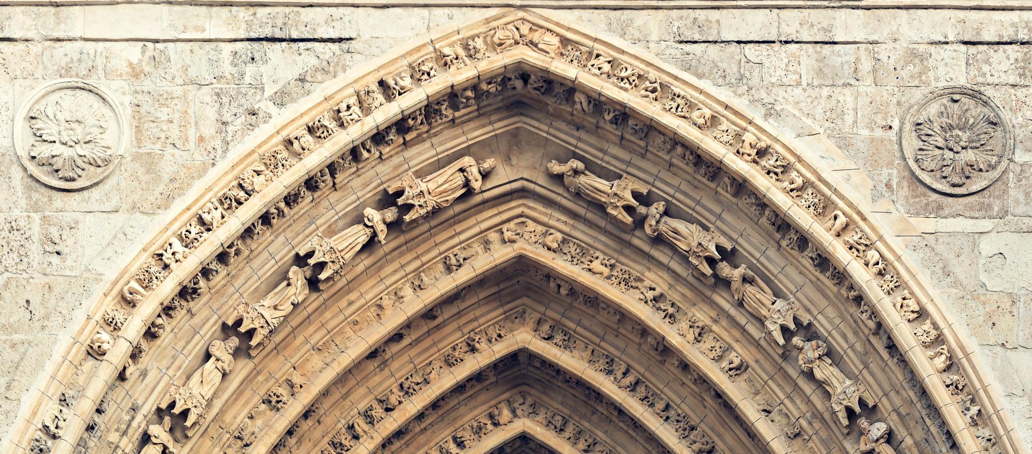 Catedral de Palencia: La Puerta de los Reyes, la piedra labrada (Detalle) by Torqueo