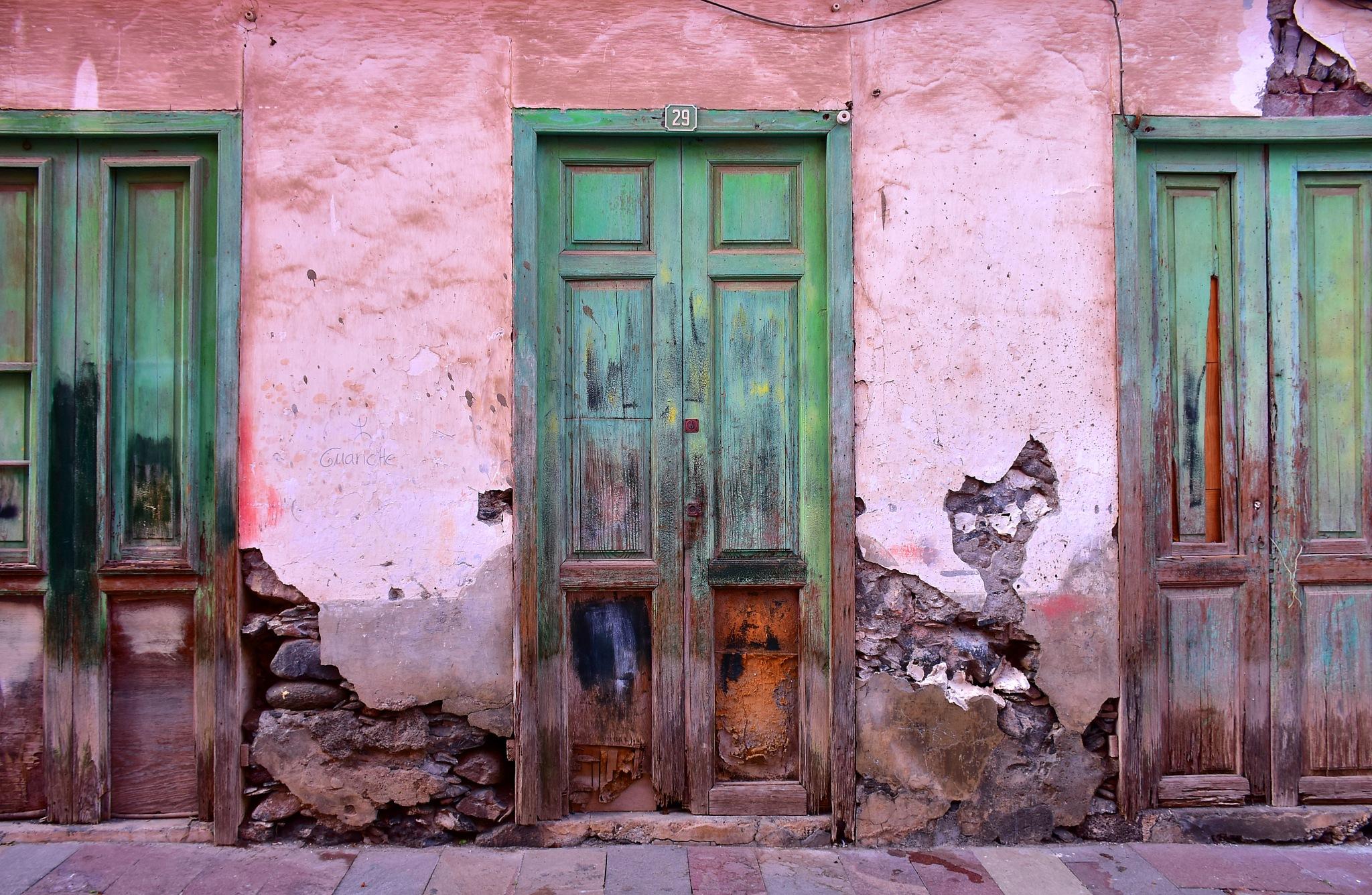 Old facade so artful by liwesta