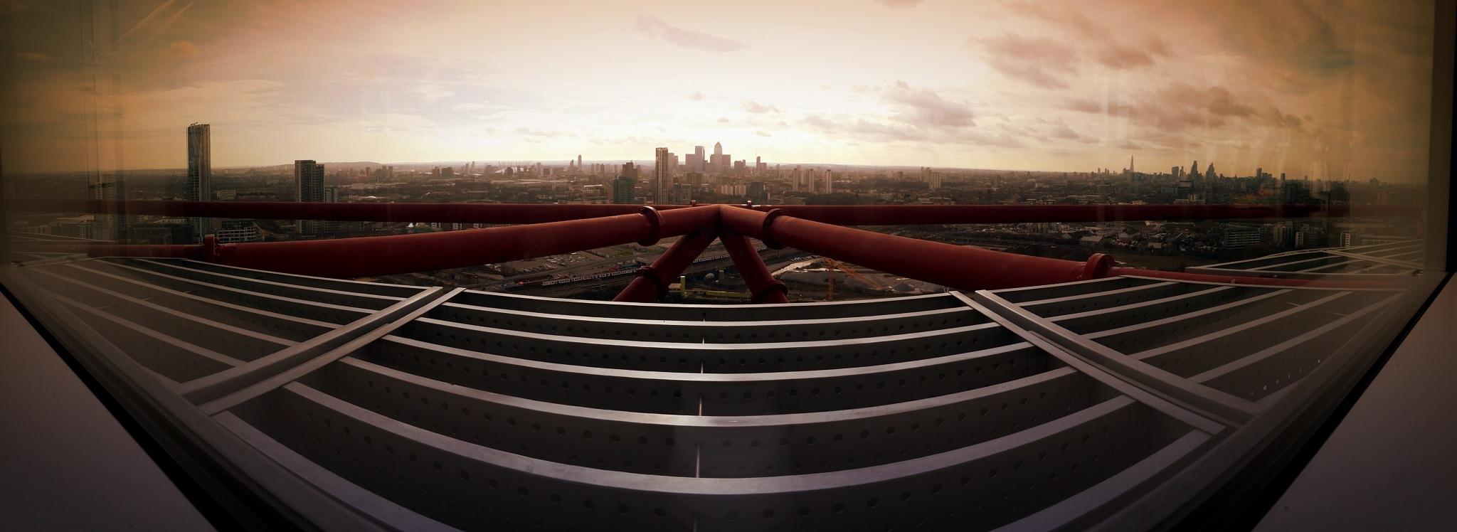 London Skyline  by Graham Brooks