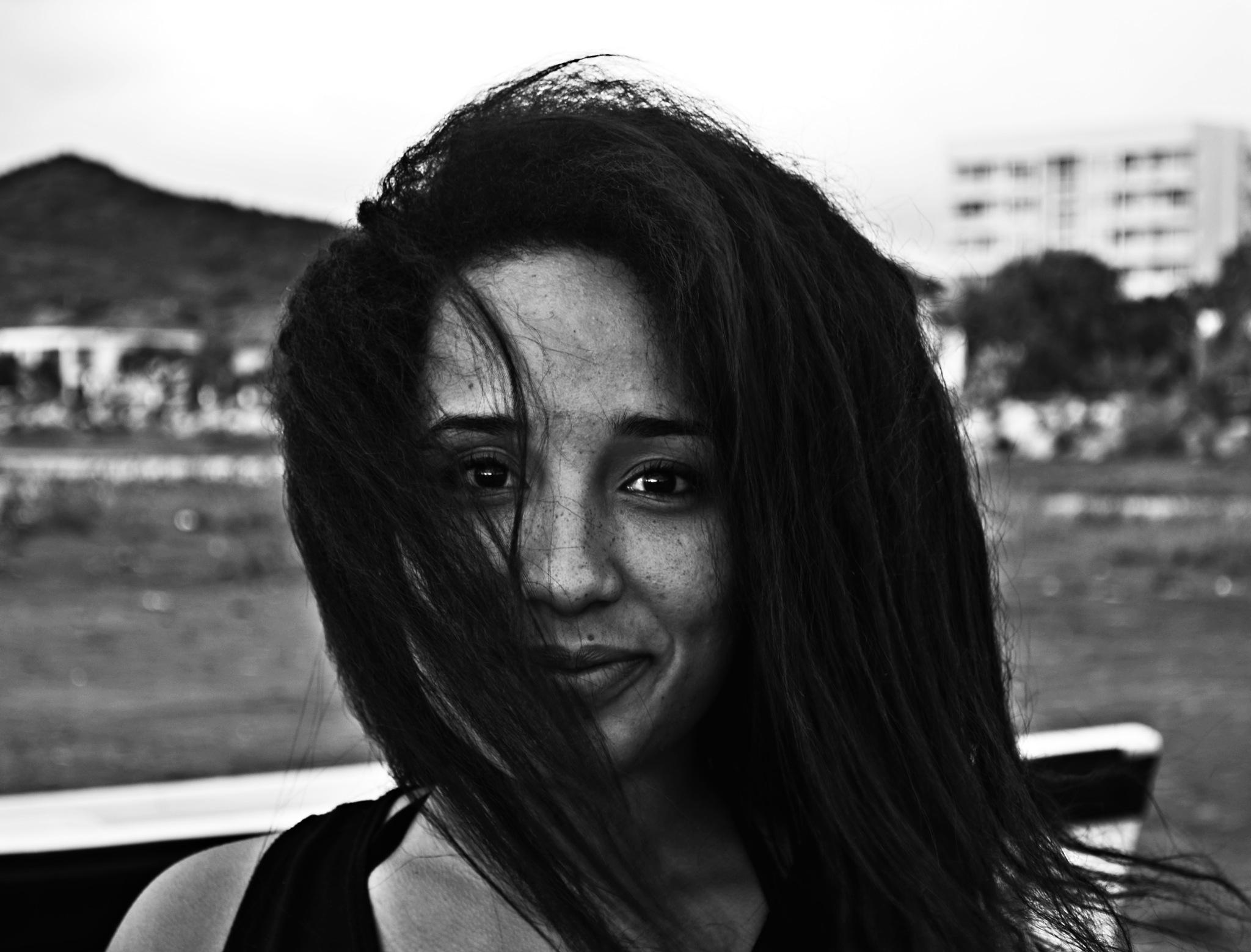 Bnw Portrait by VictorDelahoz
