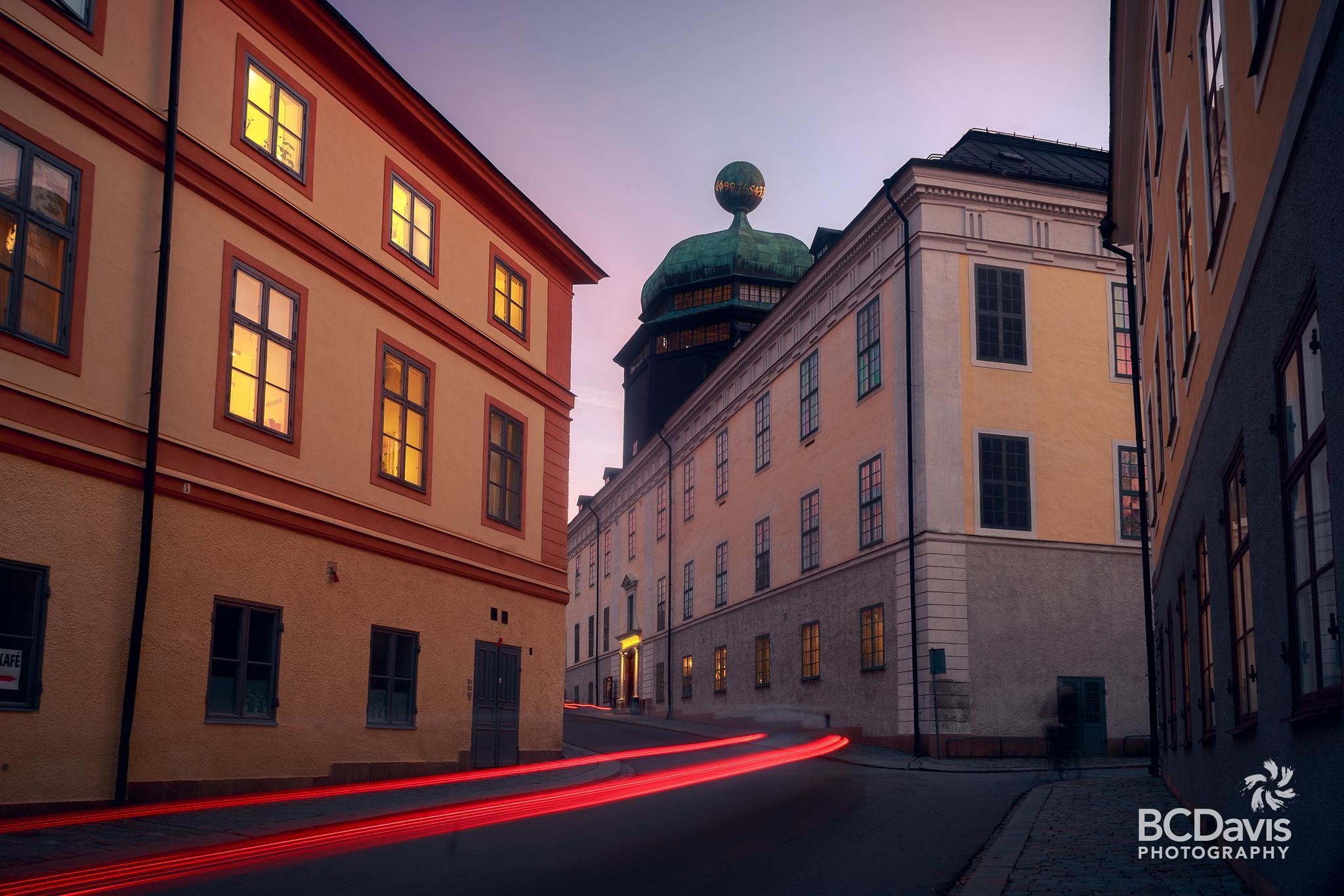 Photo in Architecture #uppsala #gustavianum #domkyrkan #light streaks