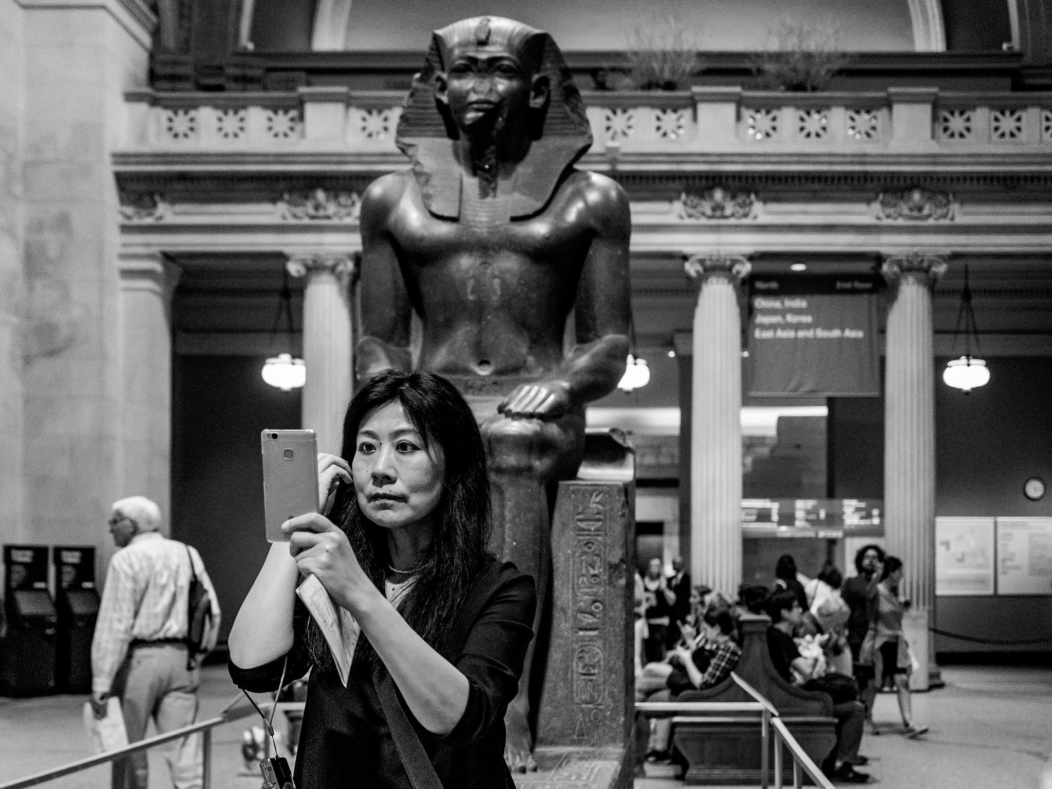 New York minute - Selfie... by Carlos Antonorsi