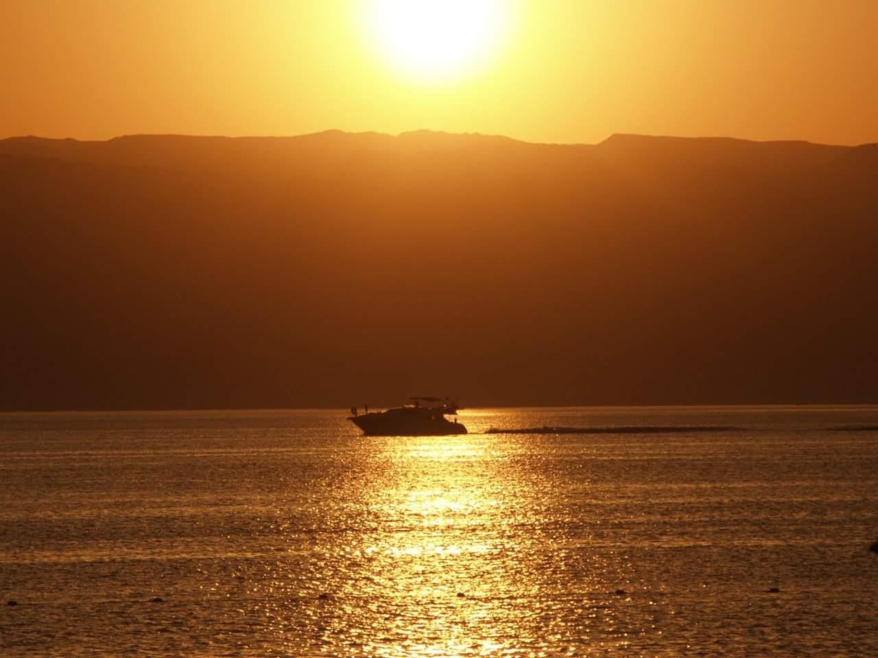 aqaba sunset by aseel karaki