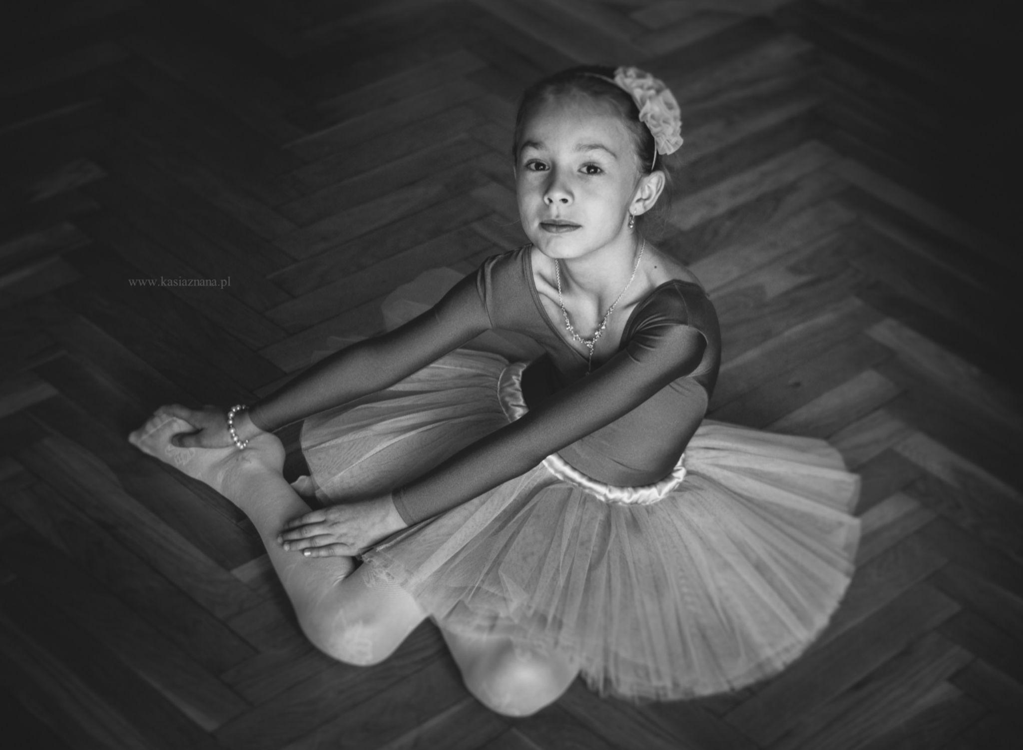 Little ballet dancer by Kasia Znana