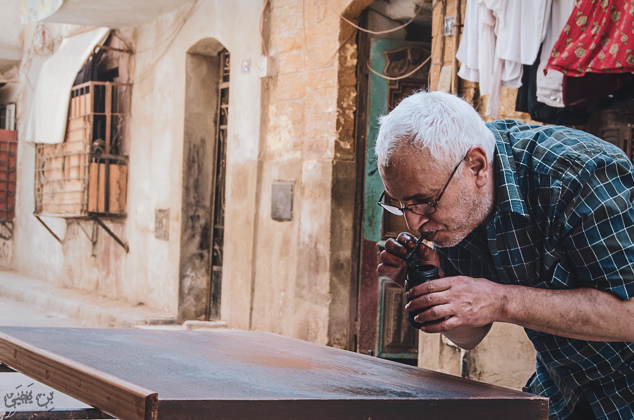 Manual wood painting by Eslam Yahia