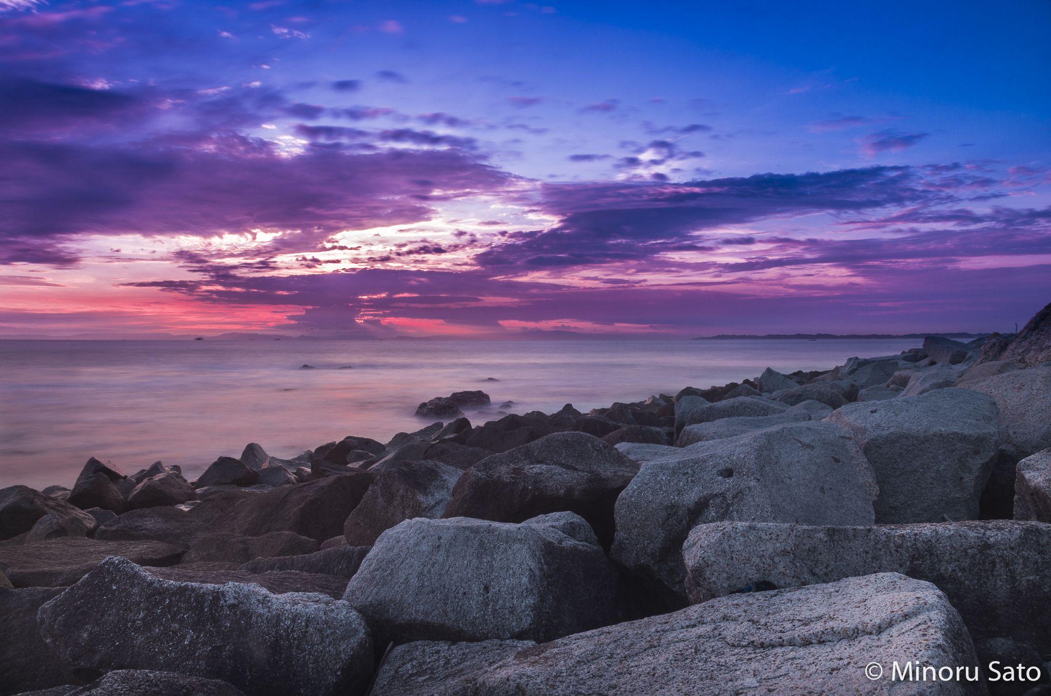 sunset blue sky by Minoru Sato