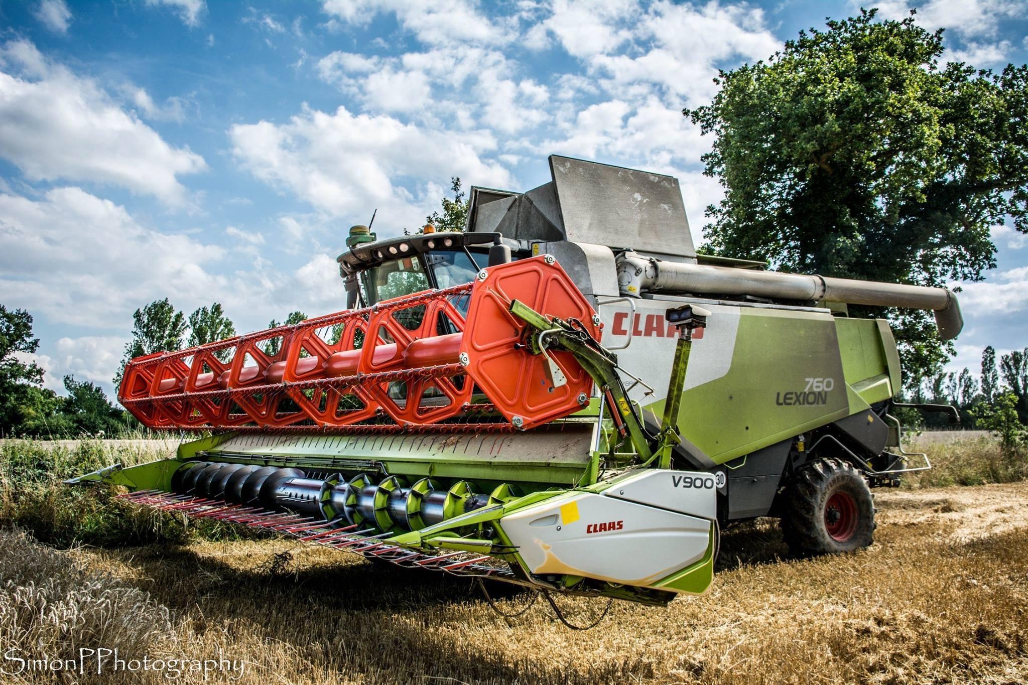 Harvest in color  by Simon pratt