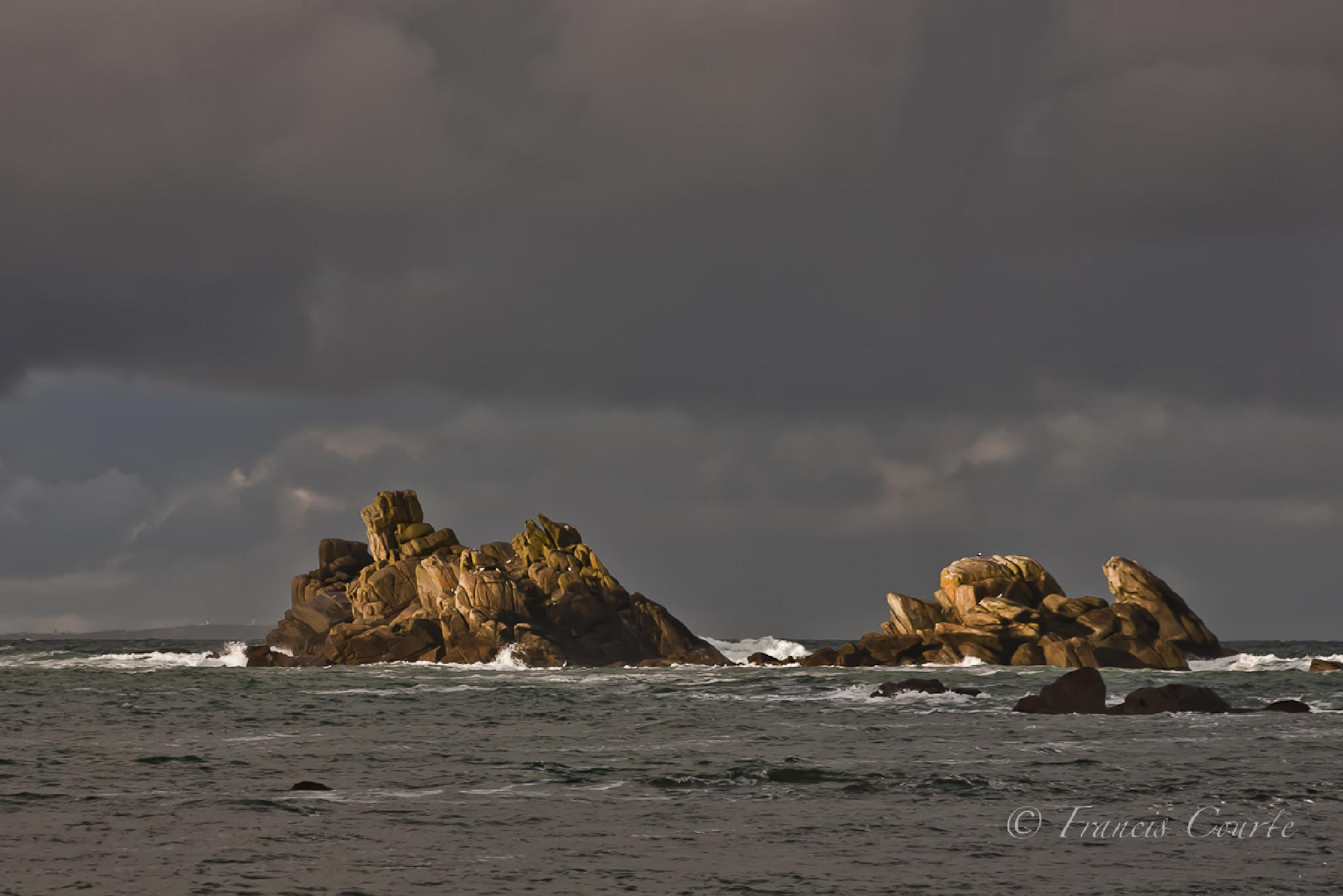 Stones on the Sea by franciscourte