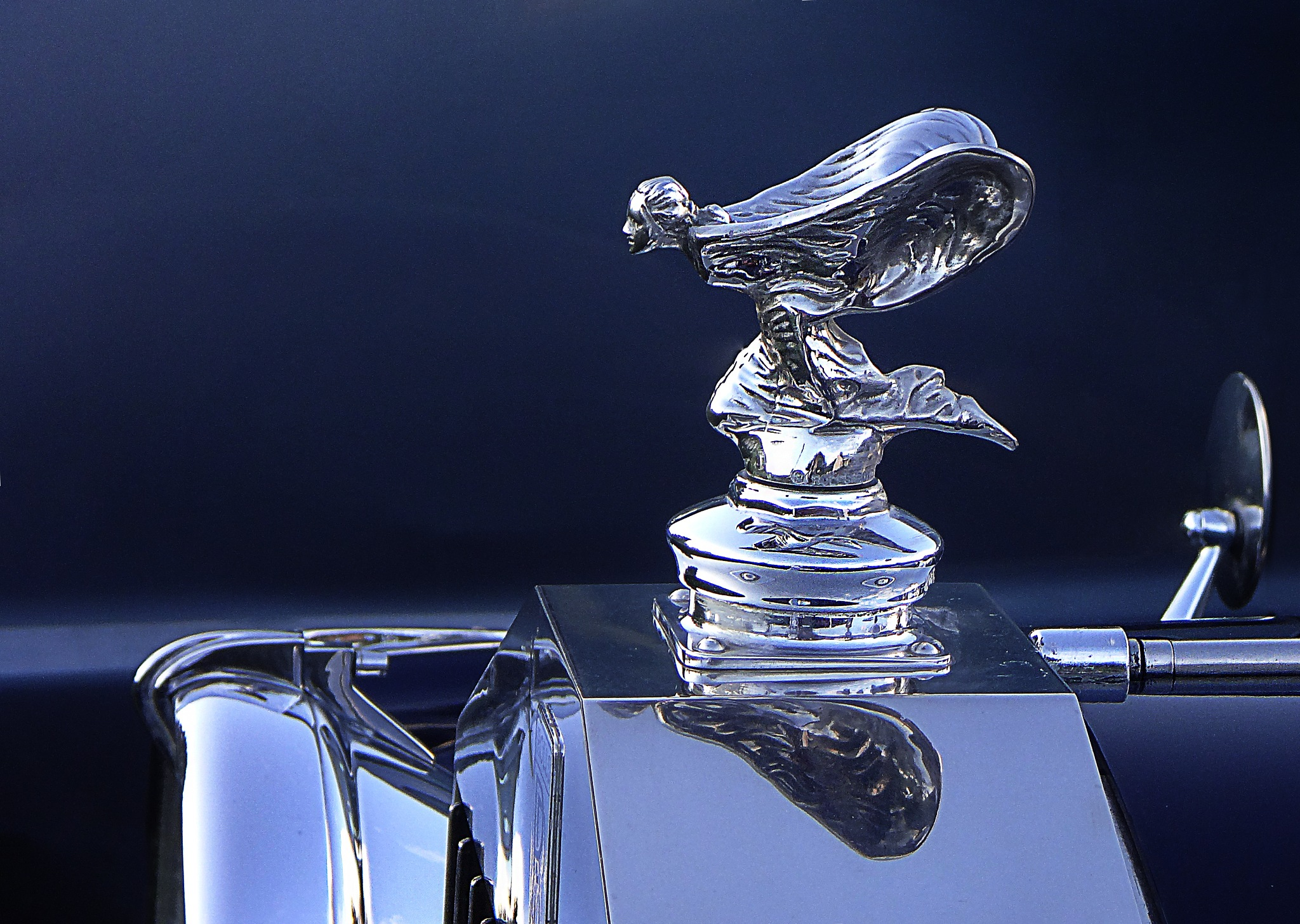 Rolls-Royce hood ornament by JMCtronic