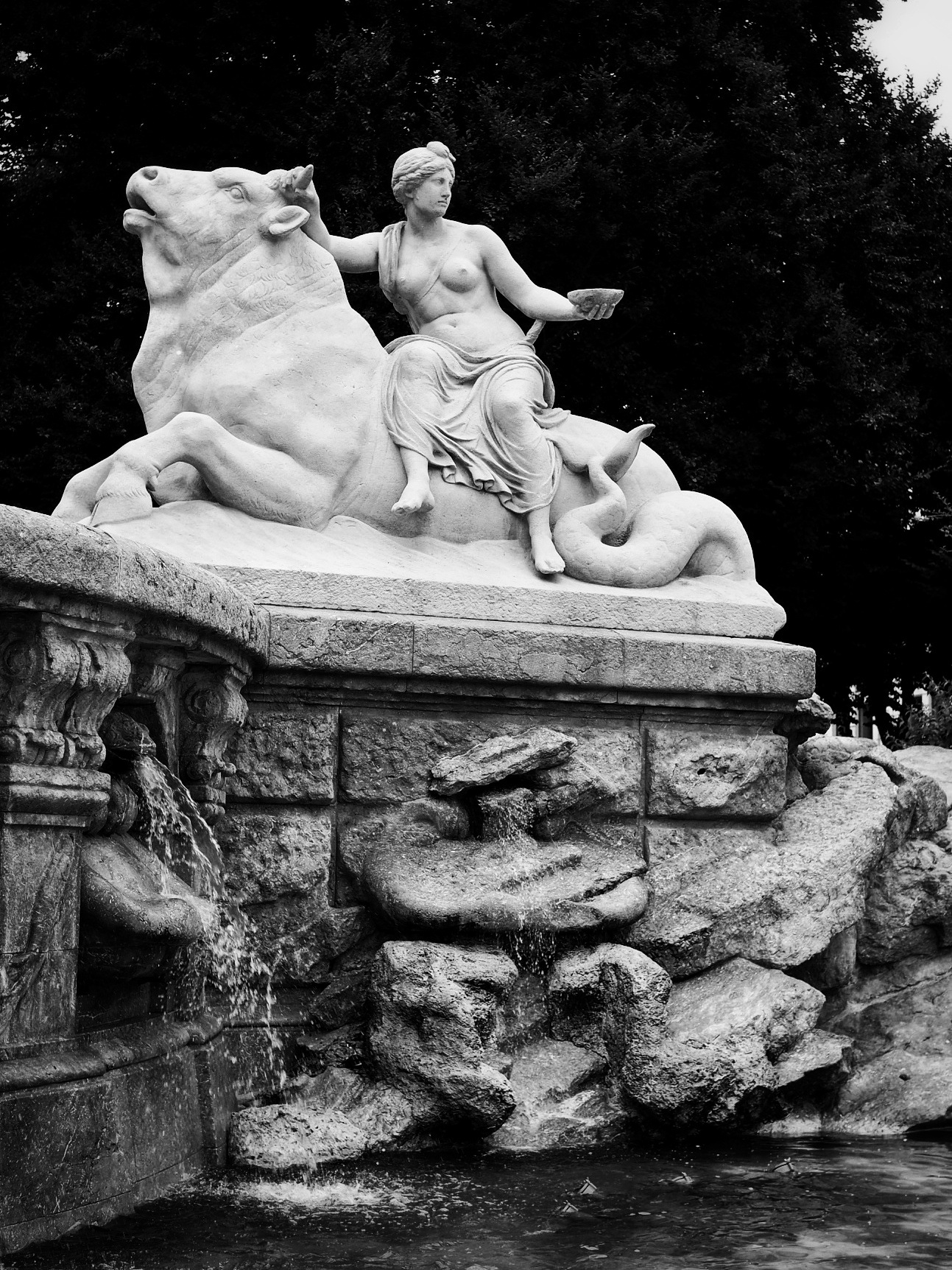 Wittelsbacher Fountain by Ahmed Farahat