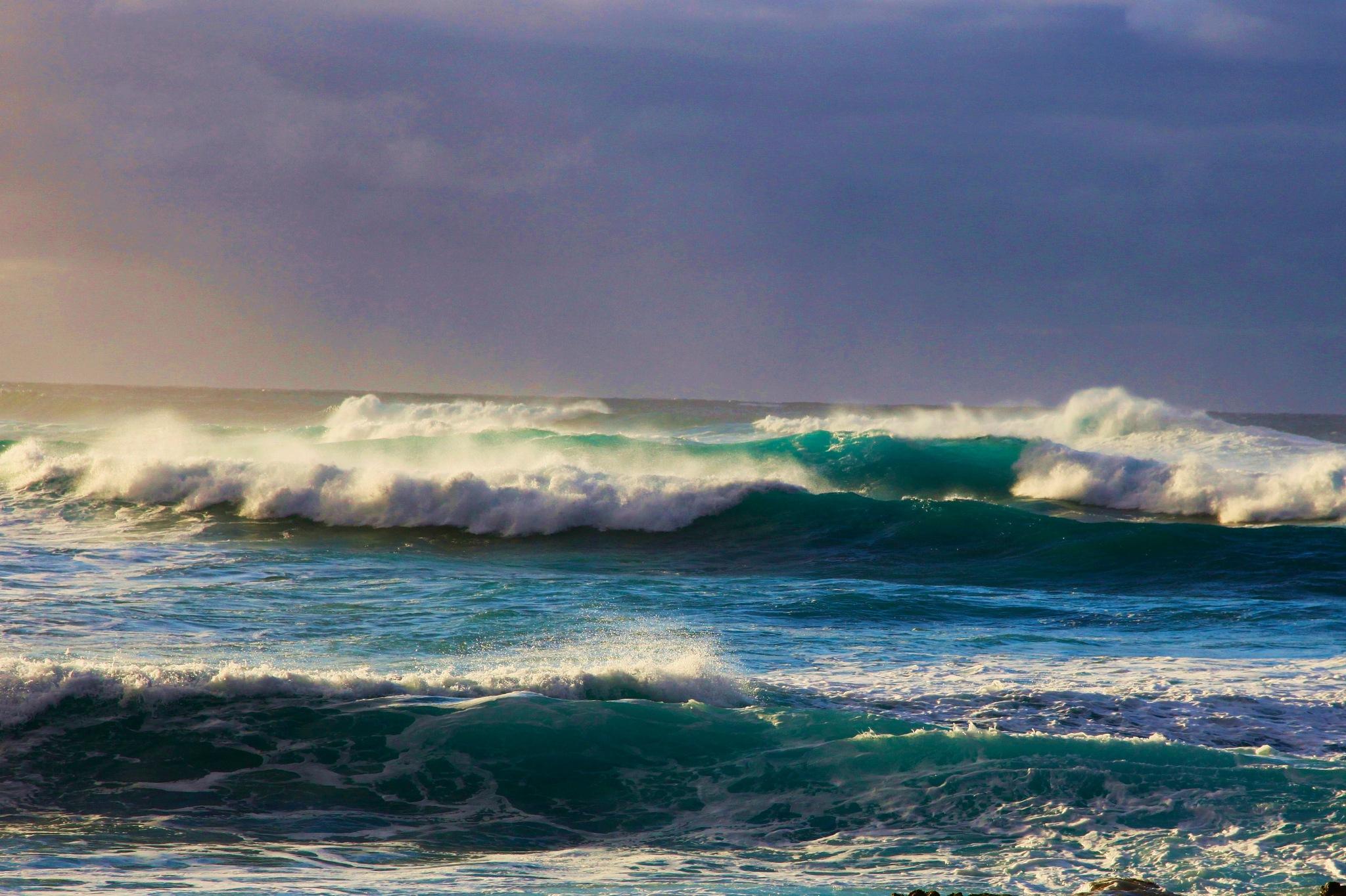 sun on surf by Miloliidrifter