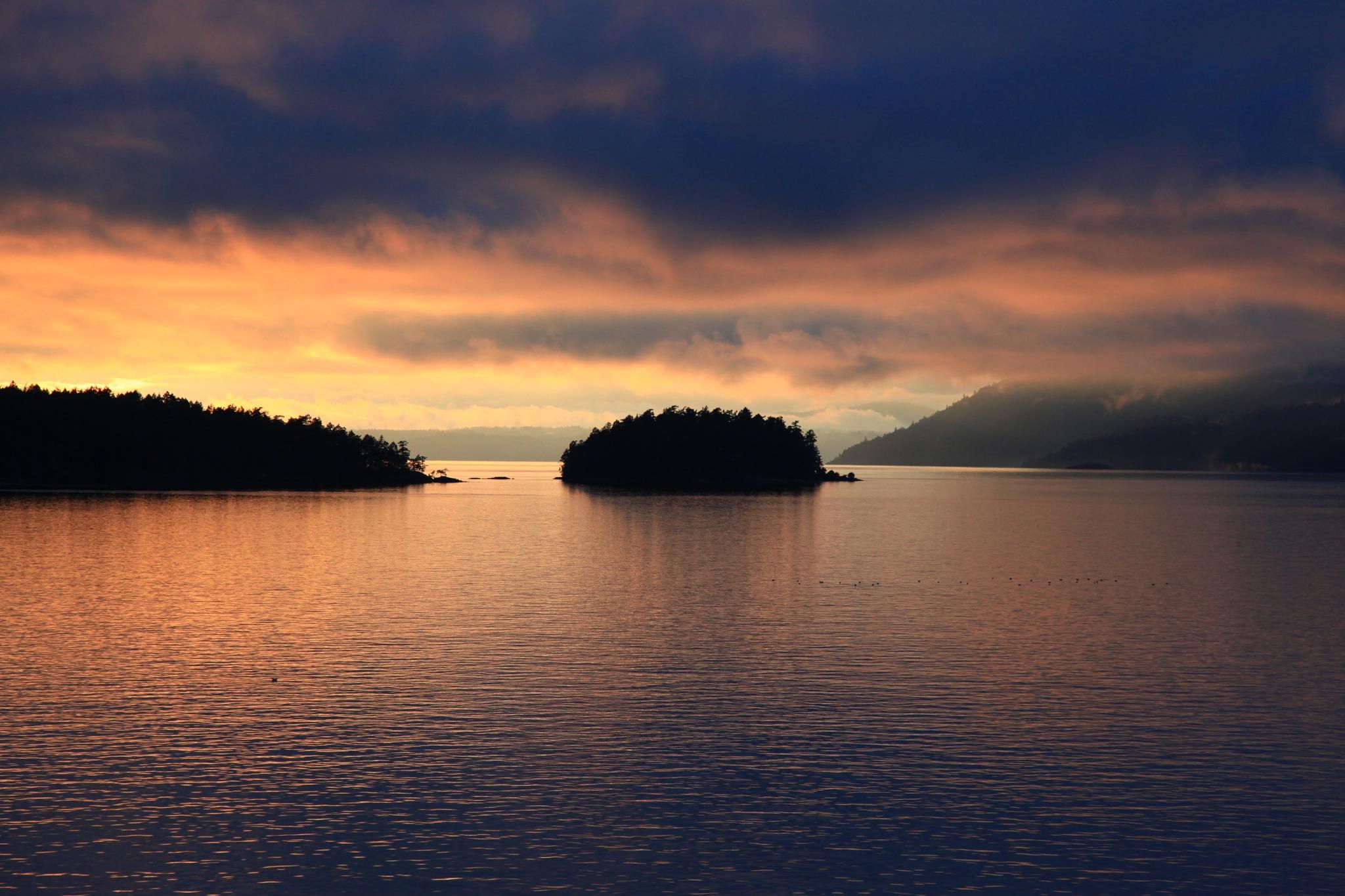 Gulf Islands British Columbia by Miloliidrifter