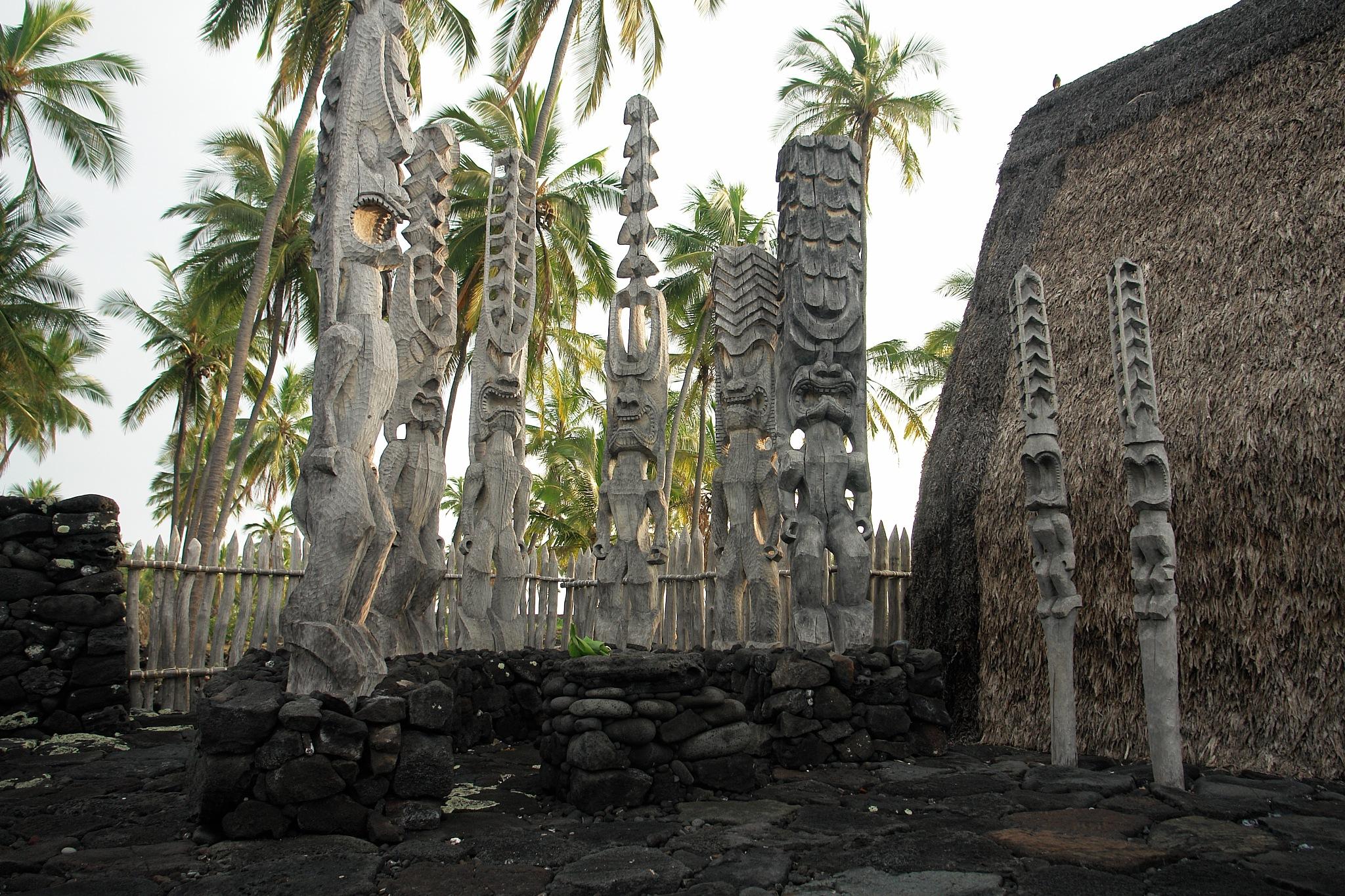 Polynesian sacrifice altar by Miloliidrifter