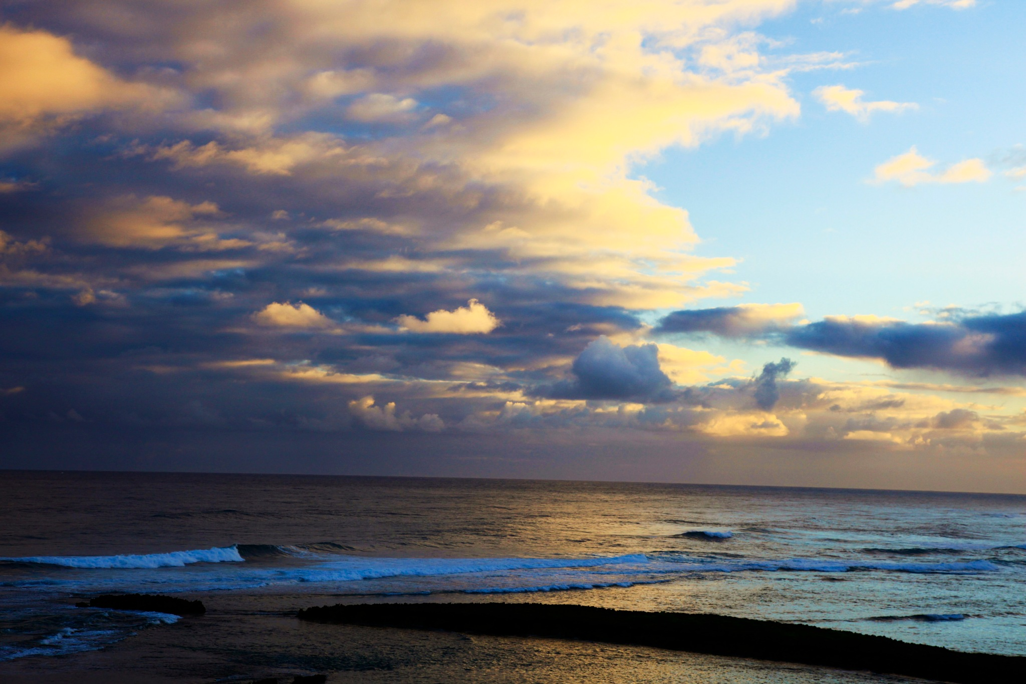 Calm after the typhoon, Oahu by Miloliidrifter