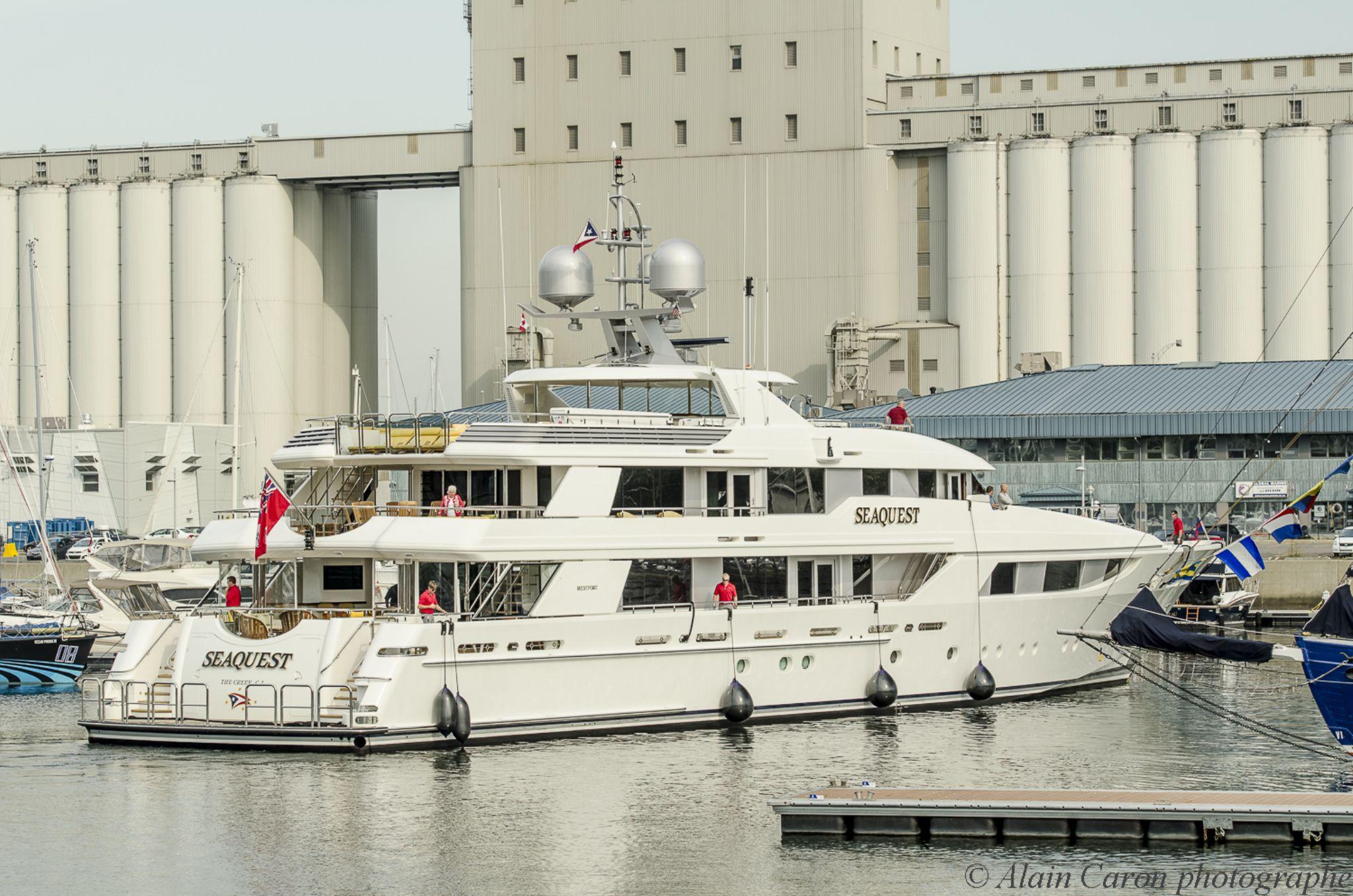 Seaquest fabulous cruiser by Allan Caron