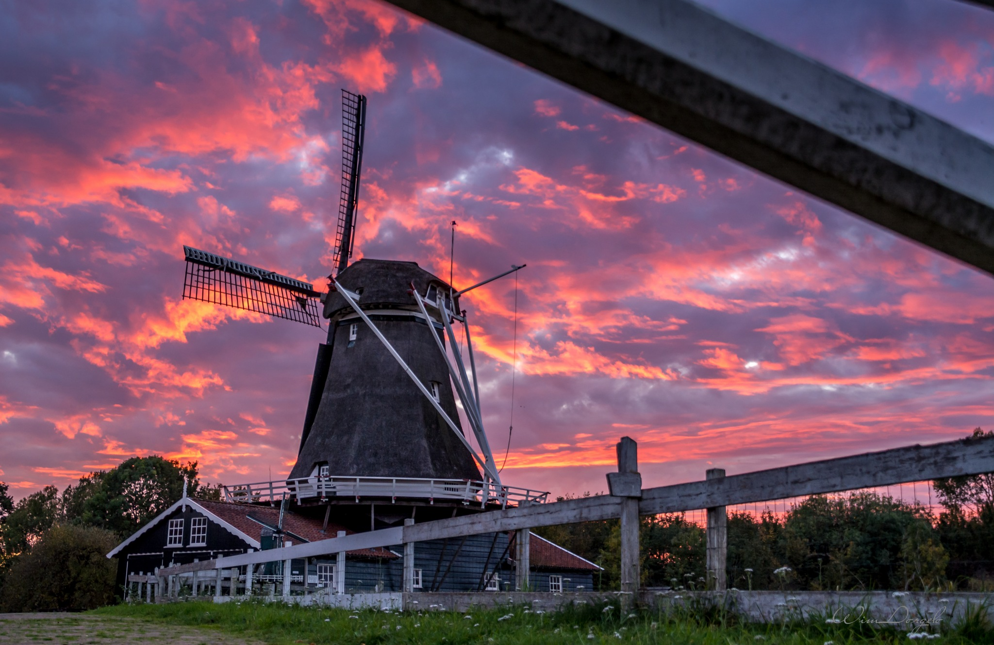 Sunset at Deventer by Wim Dorgelo