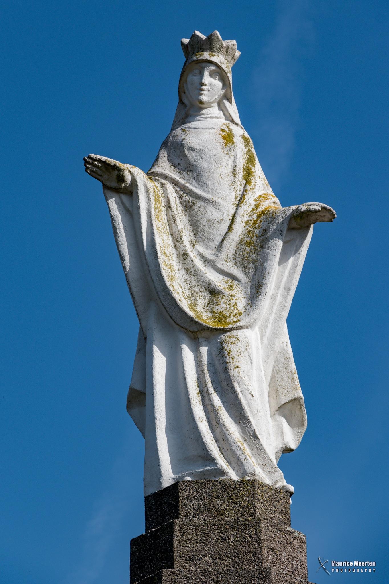 Statue by Maurice Meerten