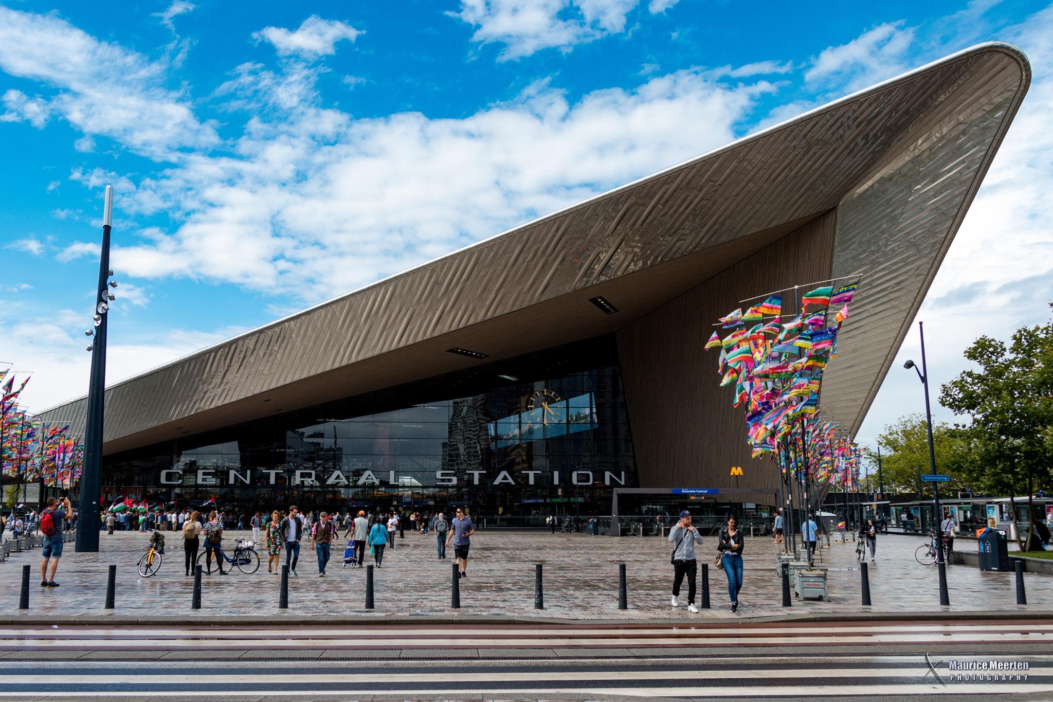 Rotterdam - Centraal Station by Maurice Meerten
