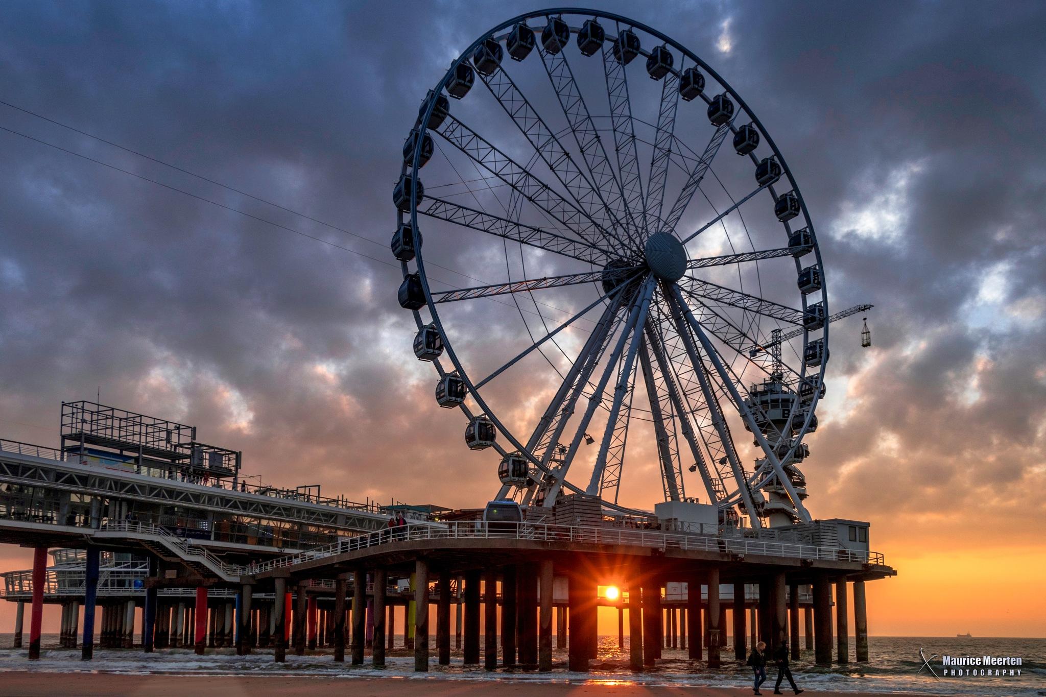 Scheveningen Ferris wheel by Maurice Meerten