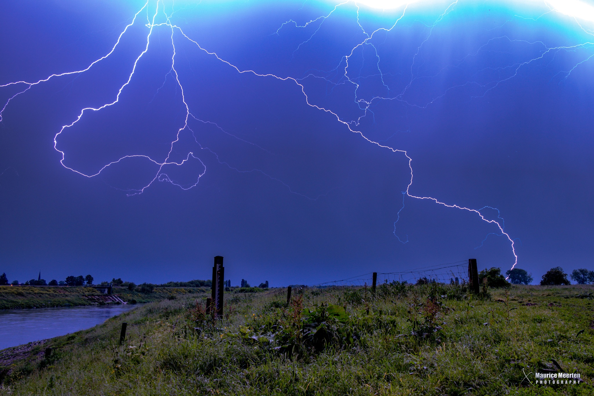 Lightning! by Maurice Meerten