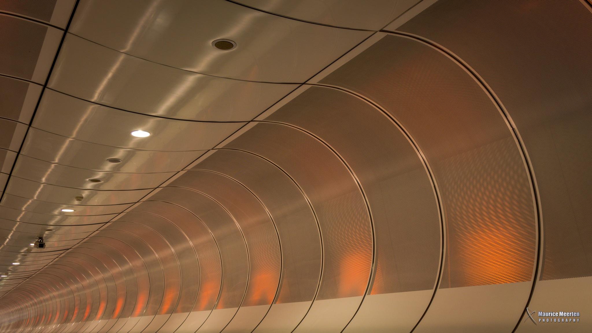 Subway Rotterdam by Maurice Meerten