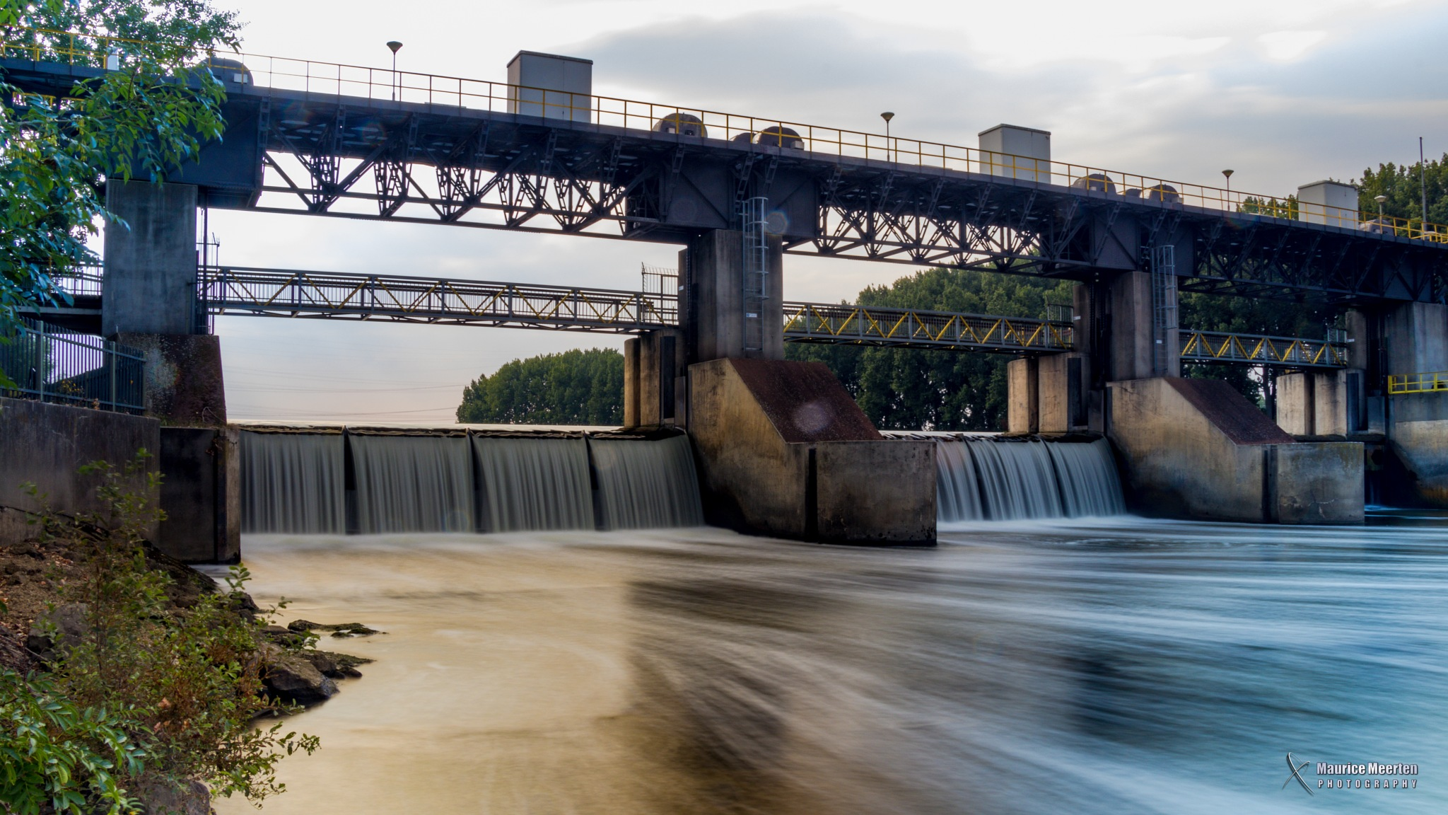 Dam in Linne - The Netherlands / Stuw in Linne by Maurice Meerten