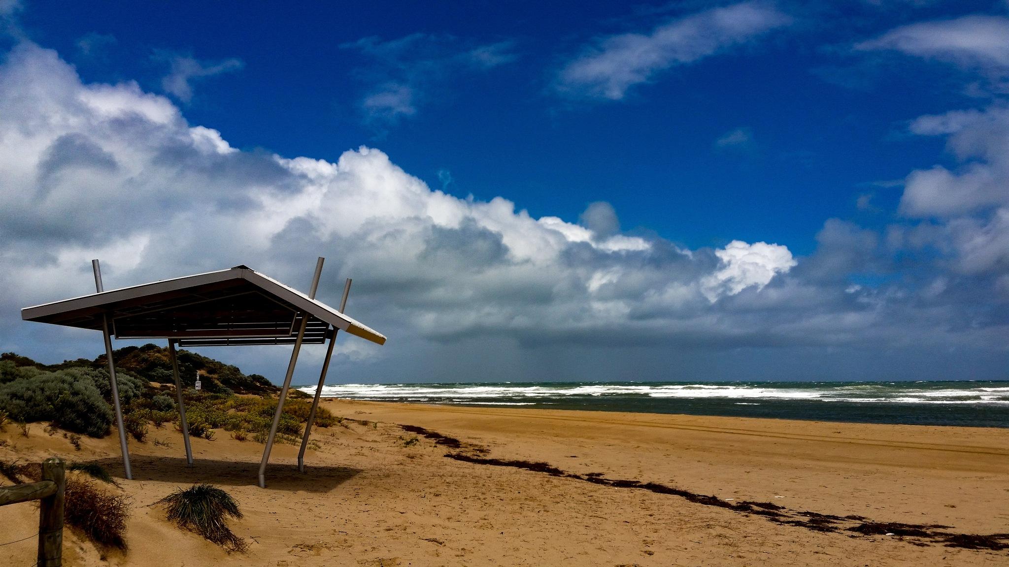 Avalon Beach MANDURAH Western Australia  by Russell Edmunds