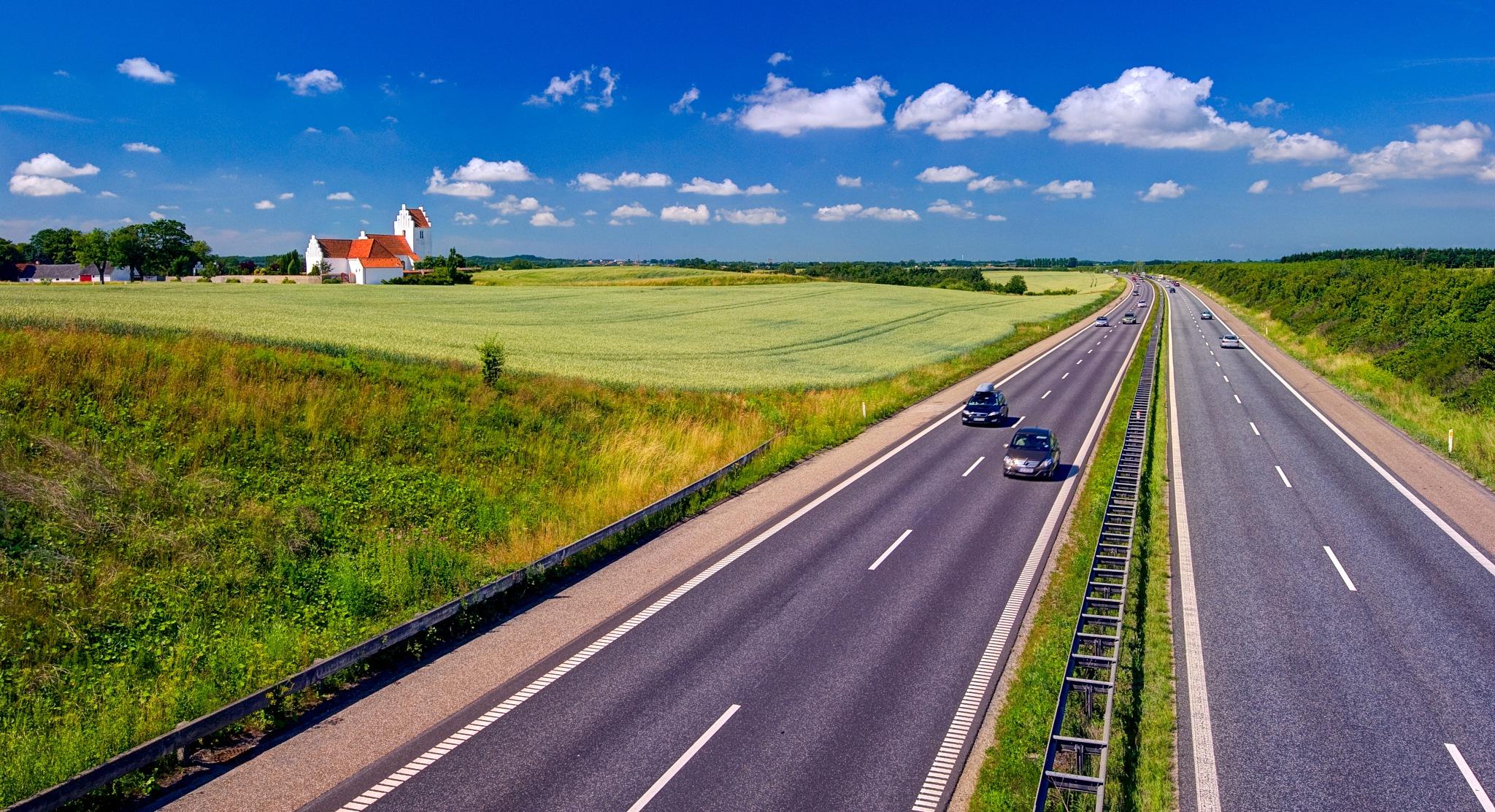 Fahr'n Fahr'n Fahr'n auf der Autobahn by Keld Bach Photography