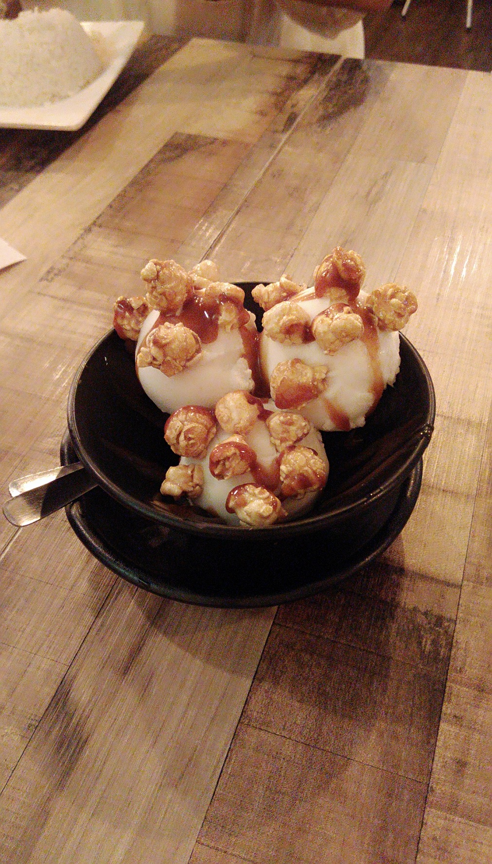Coconut ice-cream with yummy popcorns by Xuan