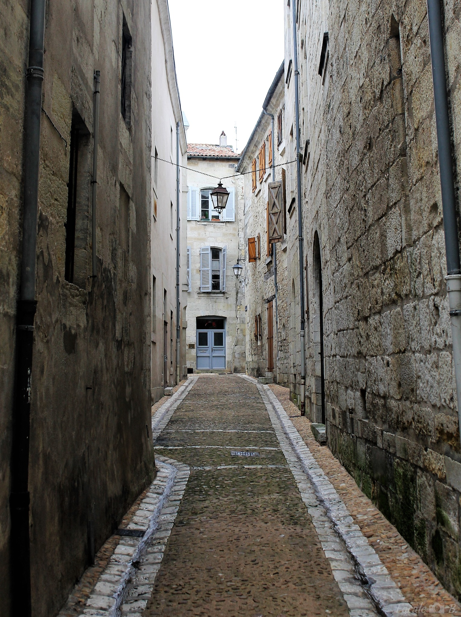 A street in Perigueux by Focale B.