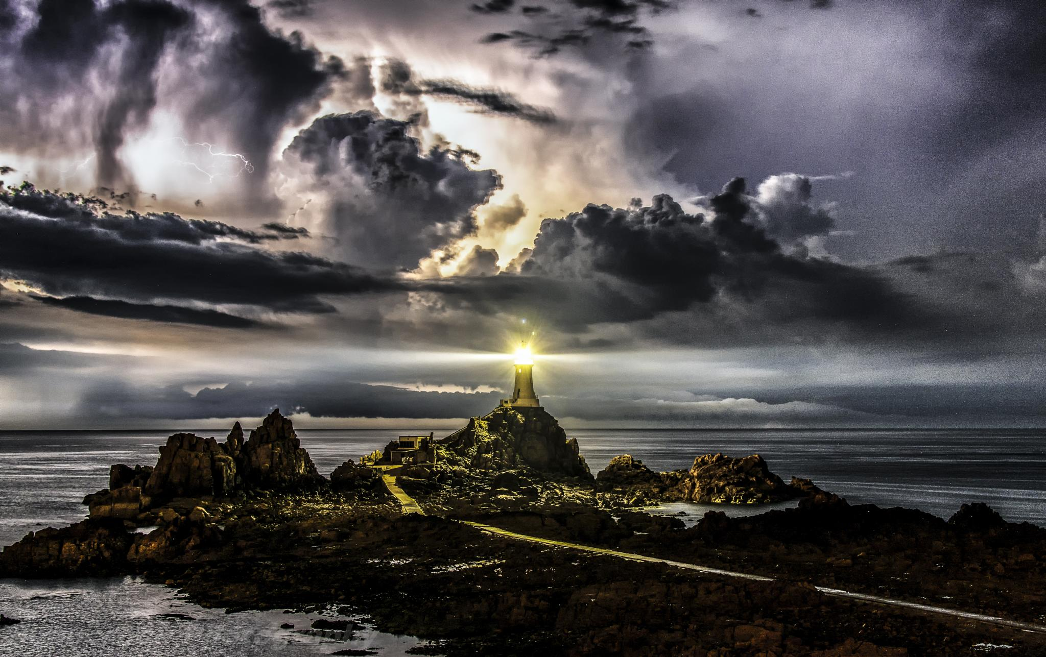 natures beacon by Alan Pryor