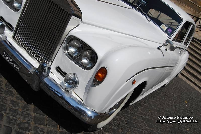 Classic Car - Rolls Royce  by Alfonso Palumbo