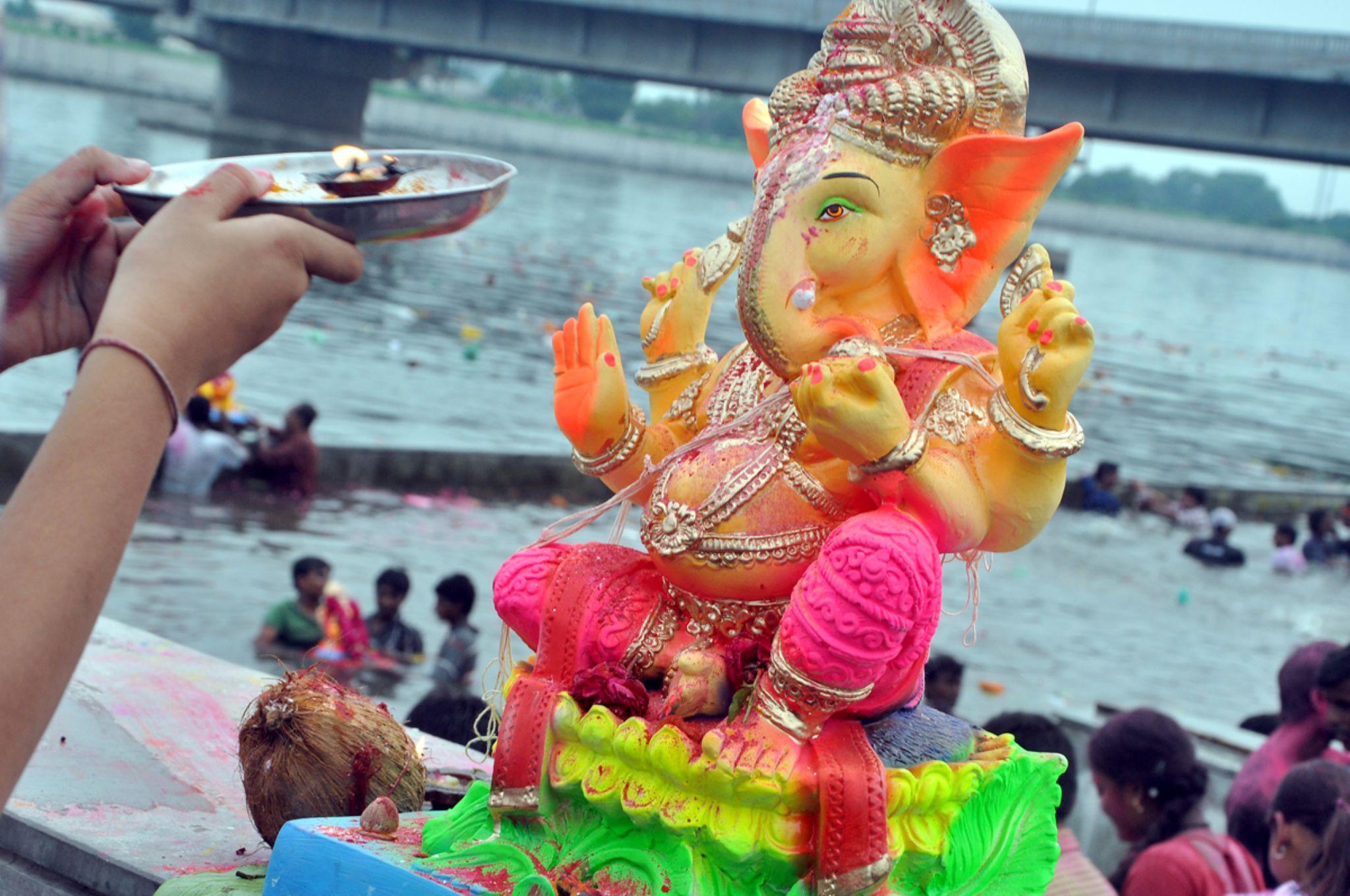 Ganpati vpVisarjan Gujrat Ahmedabad 2014 by VS. Photograpy