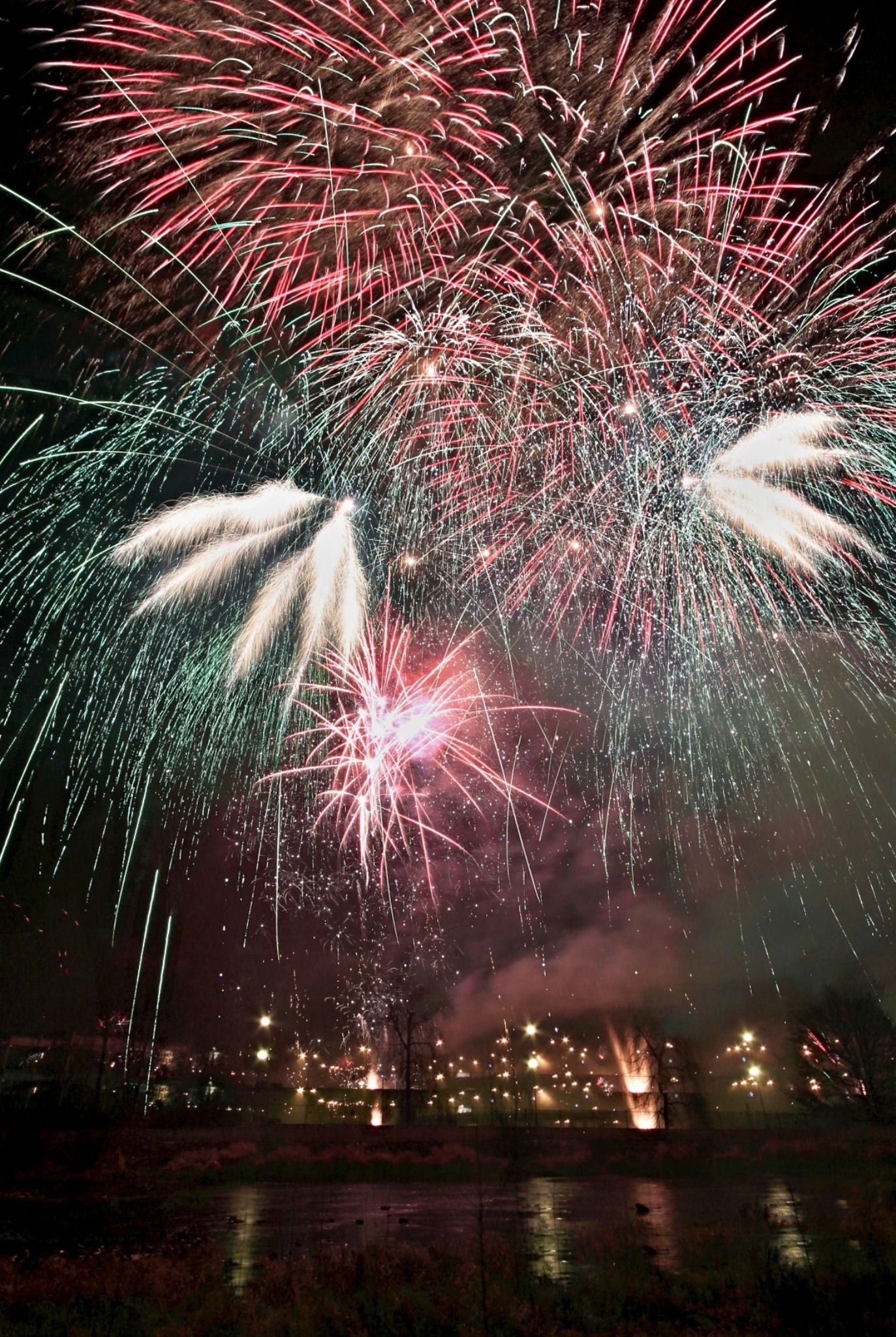 firework 2014 by Stenly Priesol
