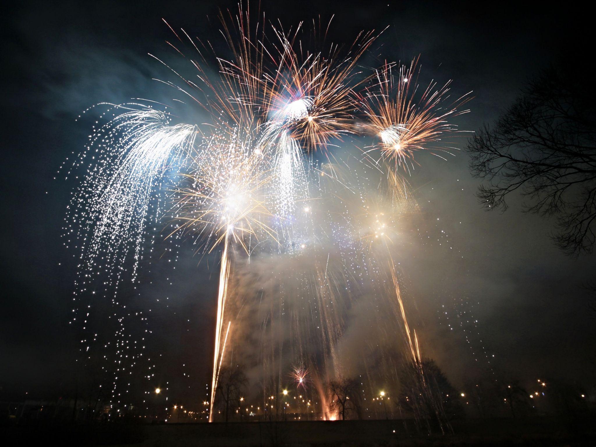 firework by Stenly Priesol