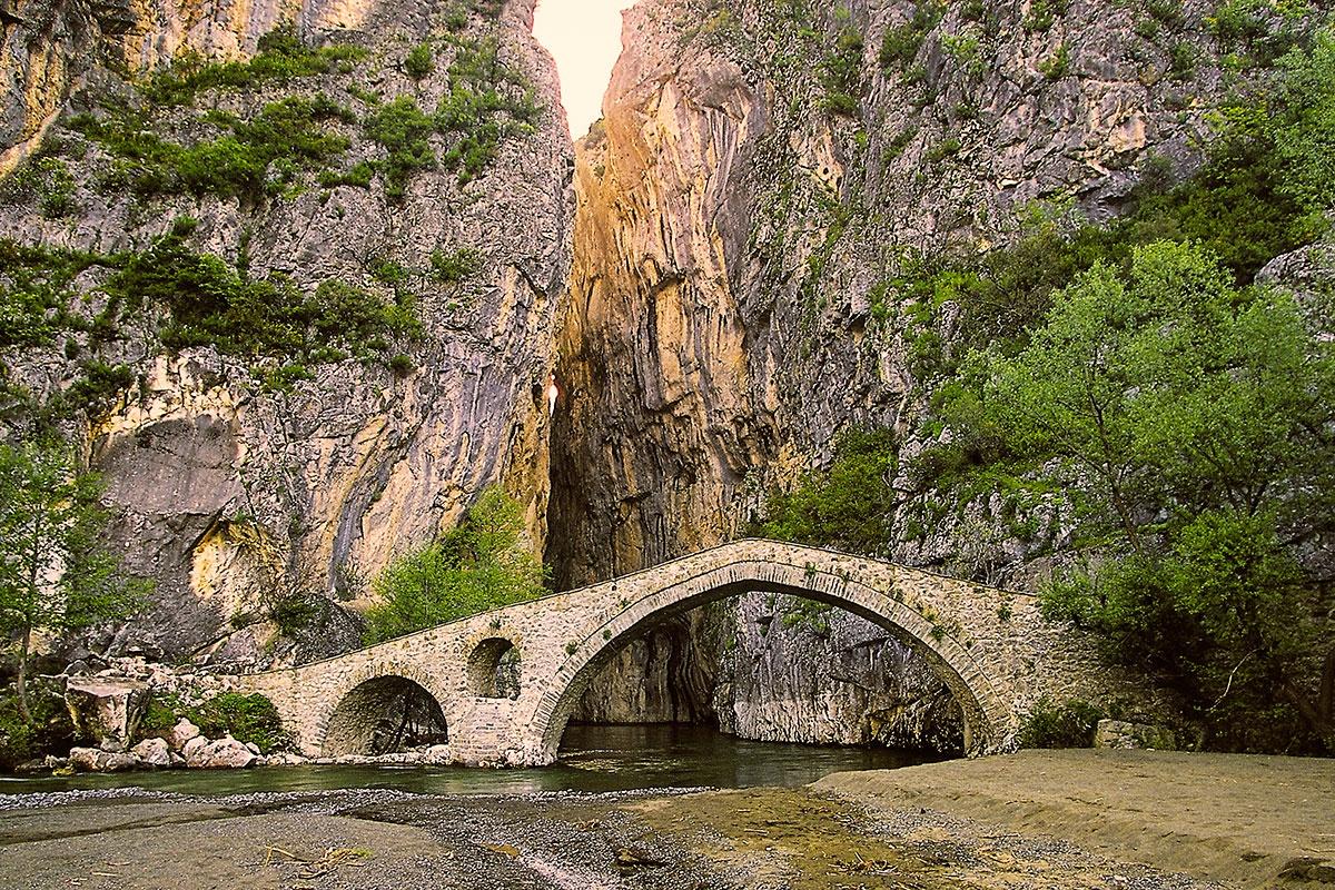 Portitsa stone bridge and canyon by Sotiris Siomis