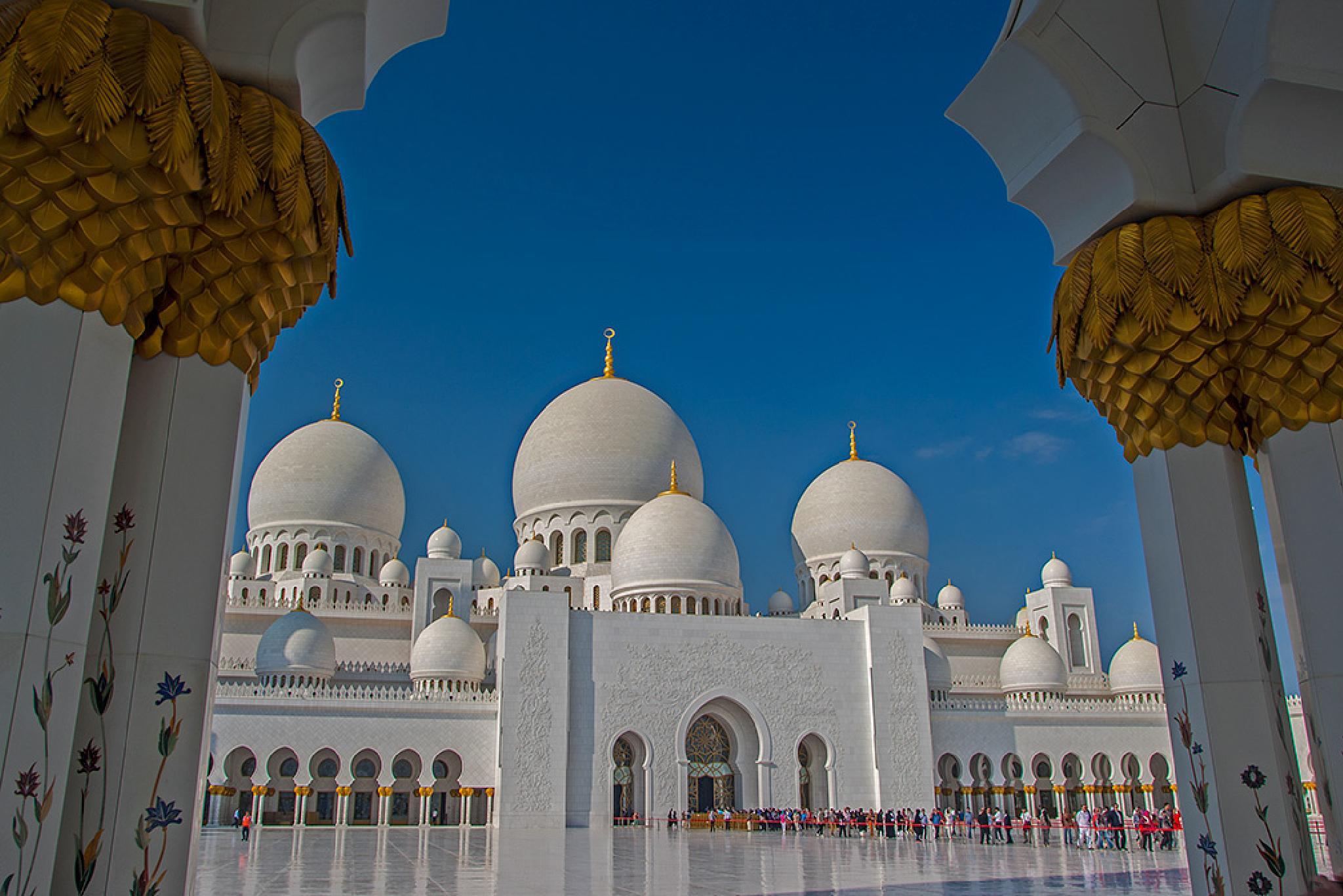 Sheikh Zayed Grand Mosque by Sotiris Siomis