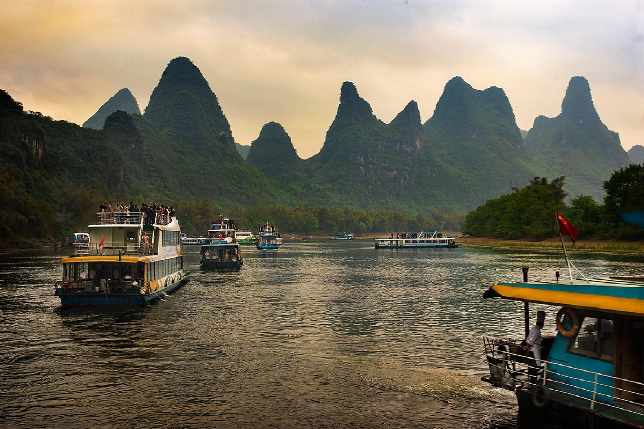 The Li River,Guilin by Sotiris Siomis