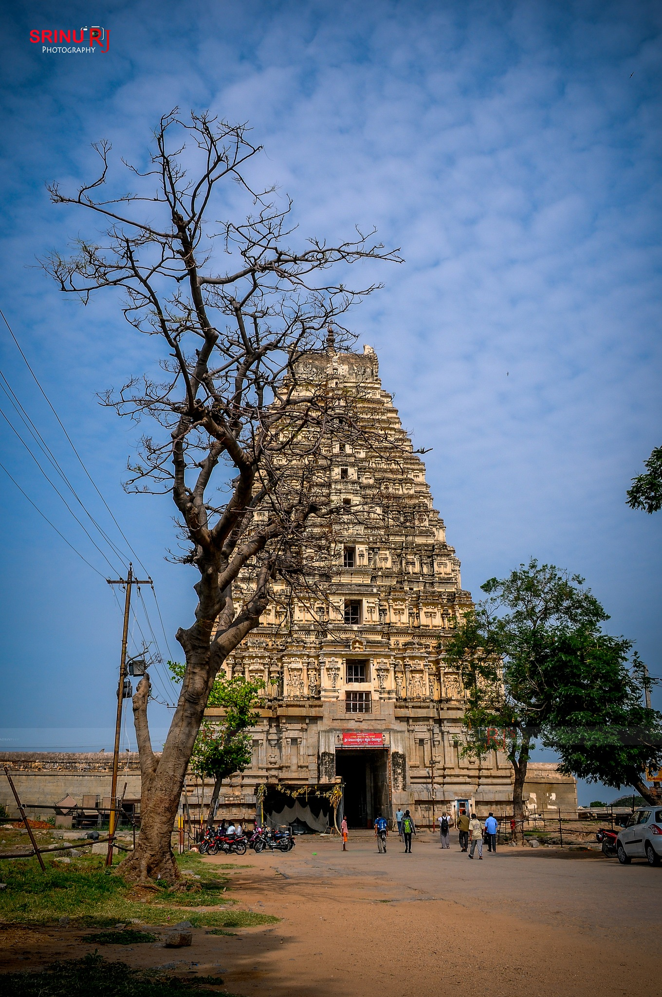 Virupaksha Temple, Hampi, karnataka, INDIA. by srinumallampalli