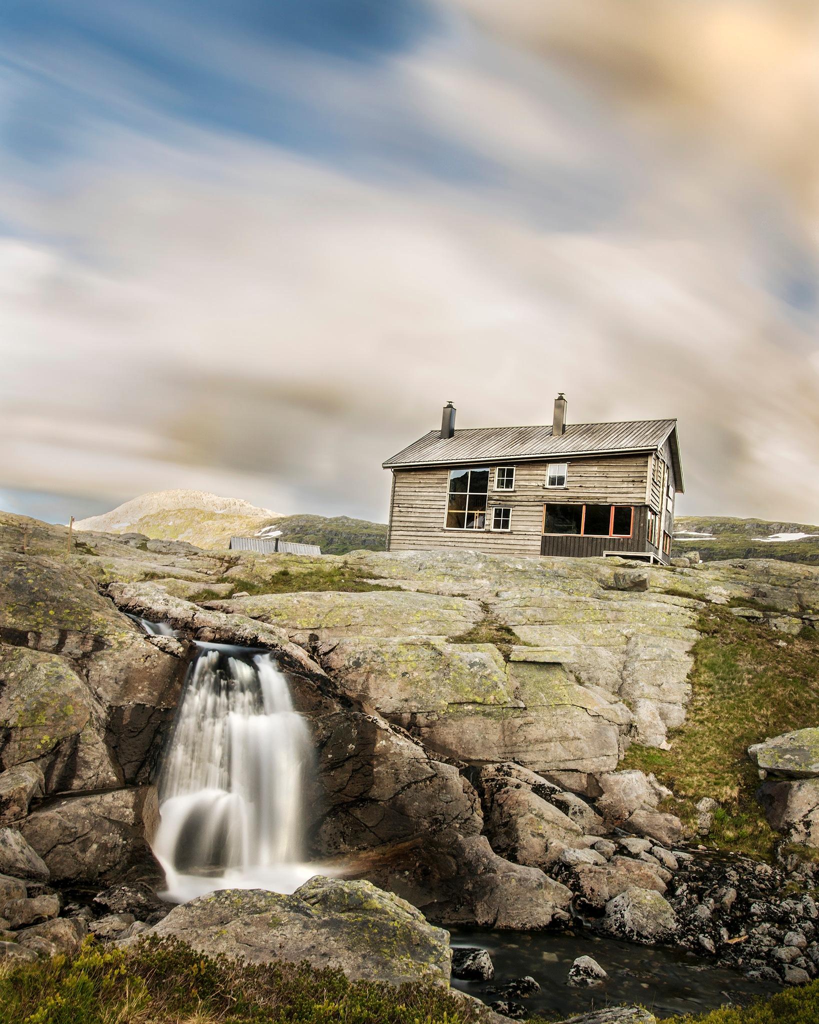 Turist Cabin by Stian Hogstvedt