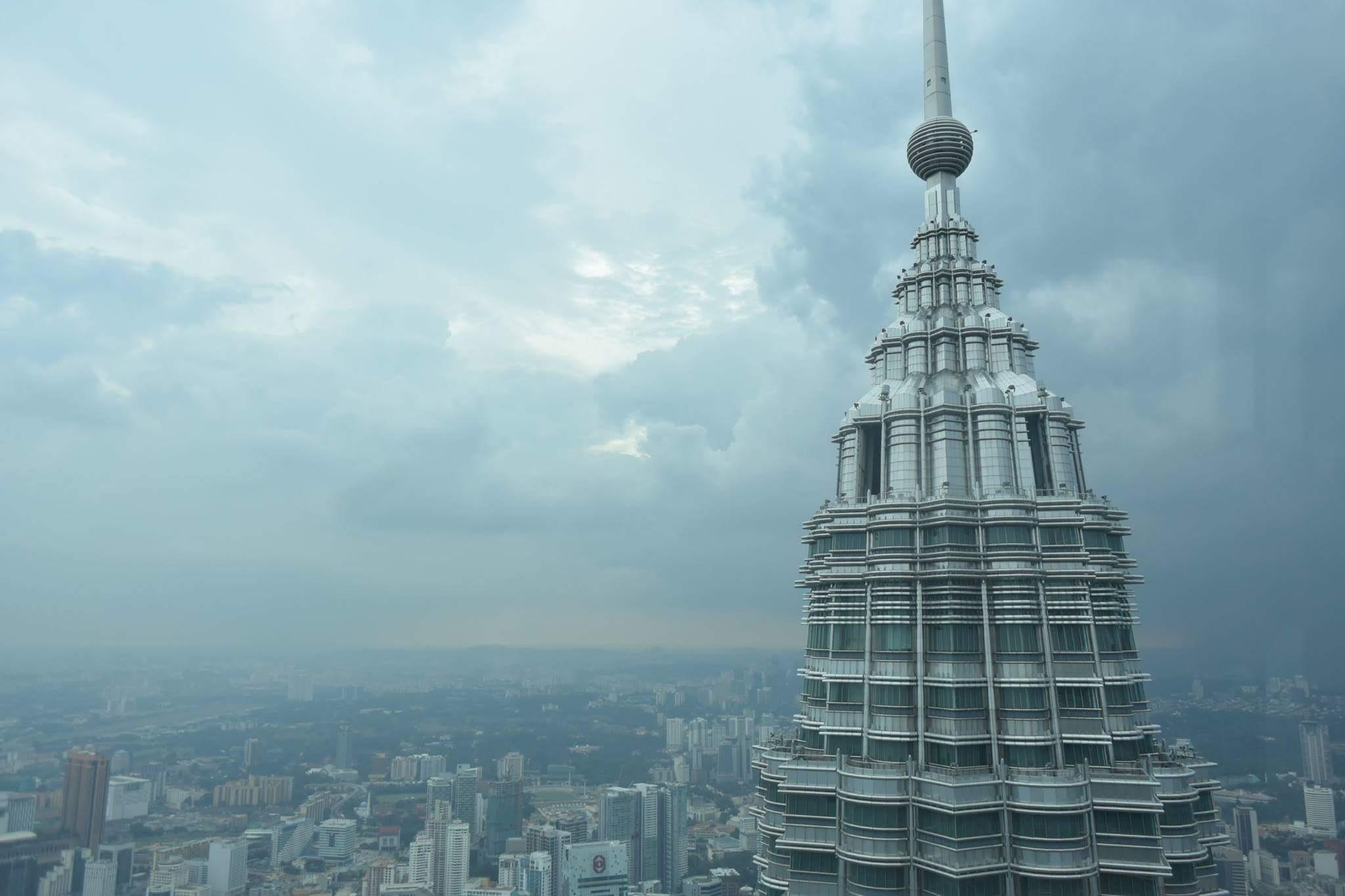 Twin towers by Tidar Jati Kelana