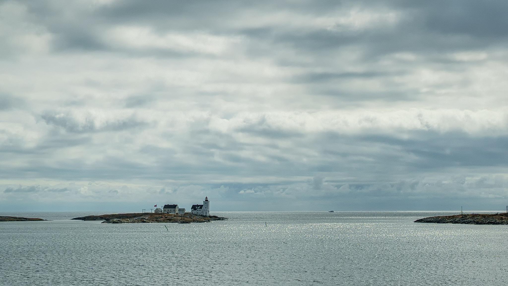 lighthouse by Jonas Gustavsson