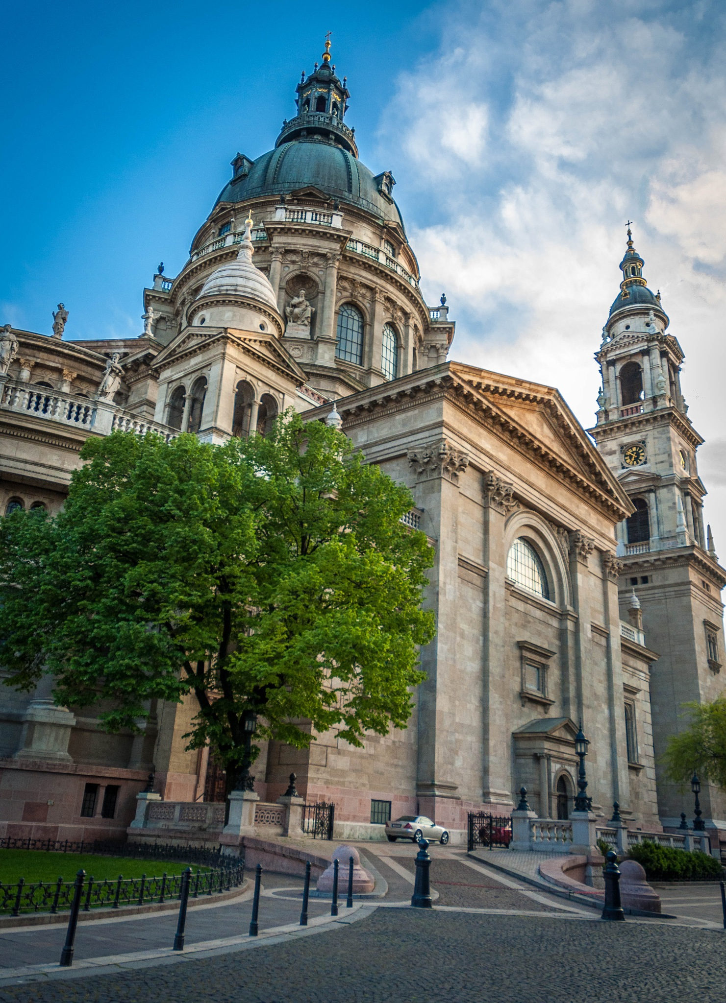 St. Stephen's Basilica ( Budapest) by Gabor Gergely